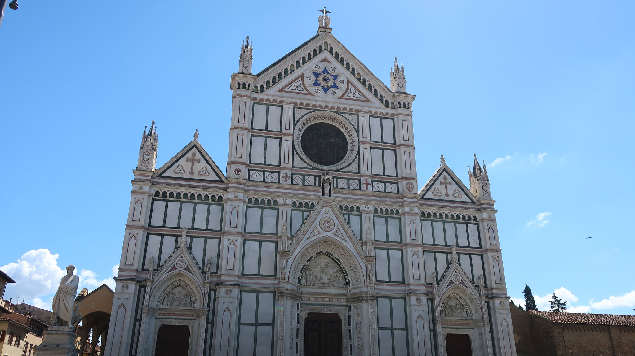 サンタ・クローチェ(聖なる十字架)教会。ナイチンゲールはフィレンツェで生まれ、この教会で洗礼を受けました。