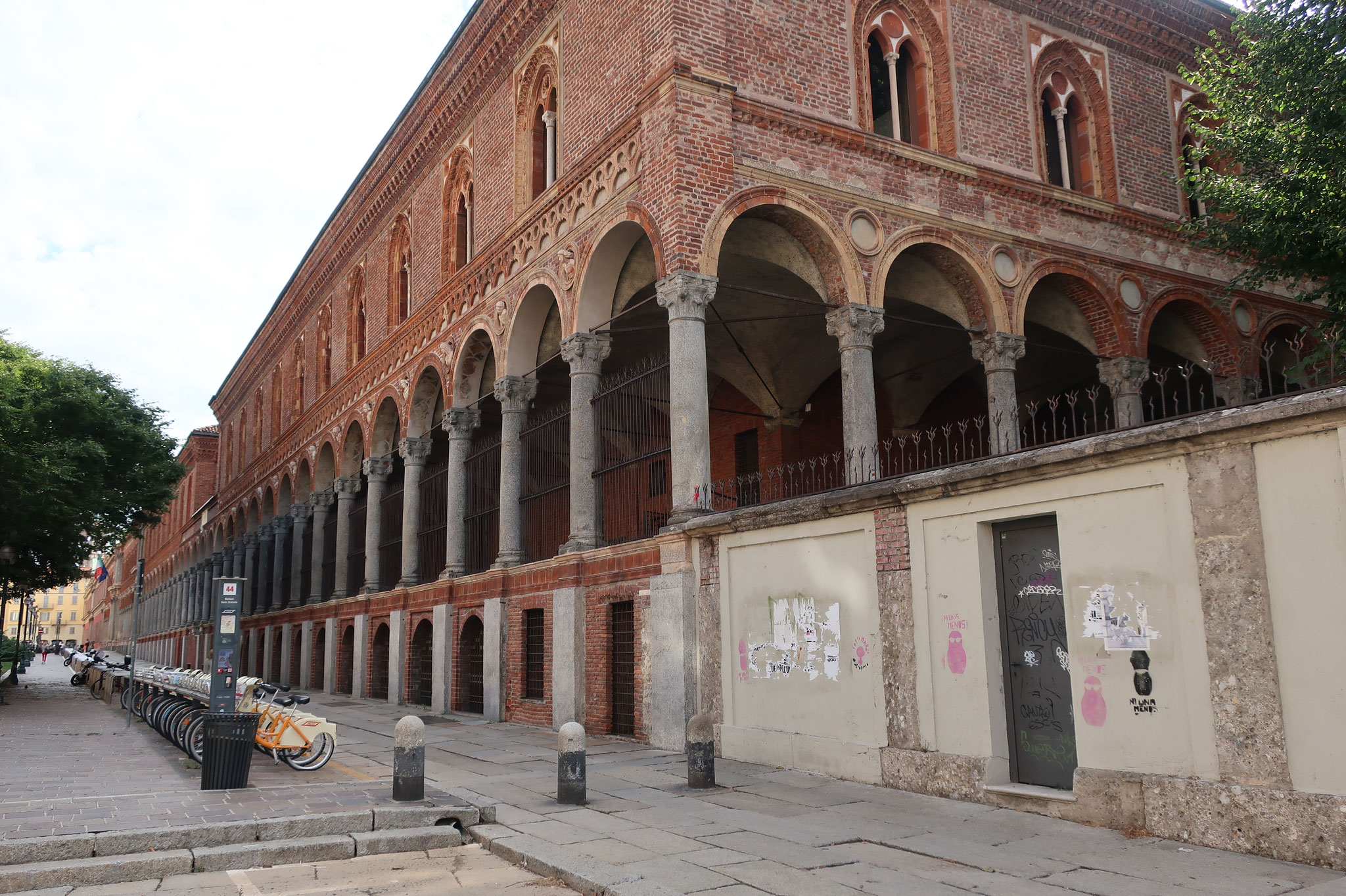 旧マッジョーレ病院 (現、国立ミラノ大学人間学部)