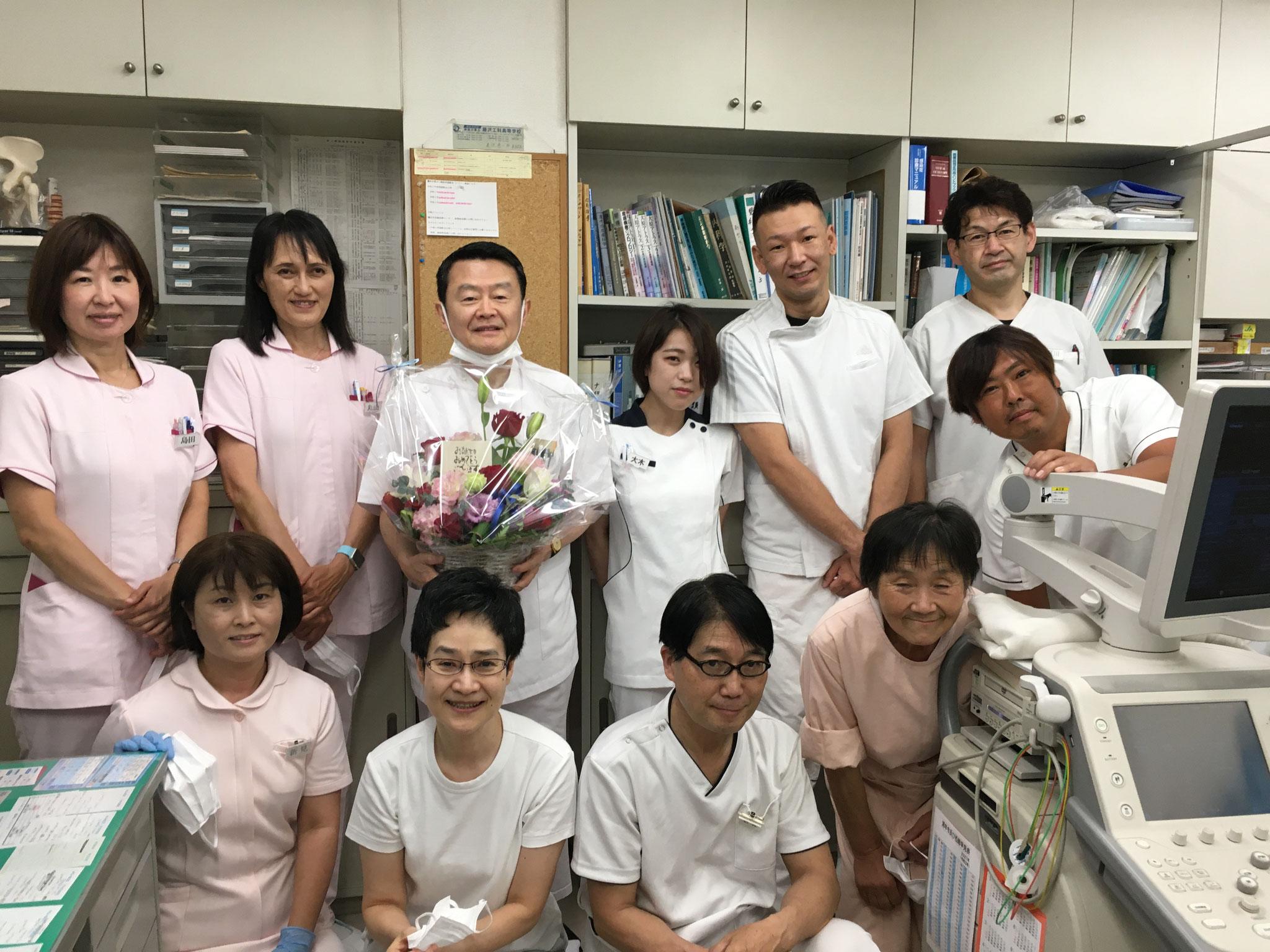 私の生誕65周年を、従業員達が祝ってくれました。