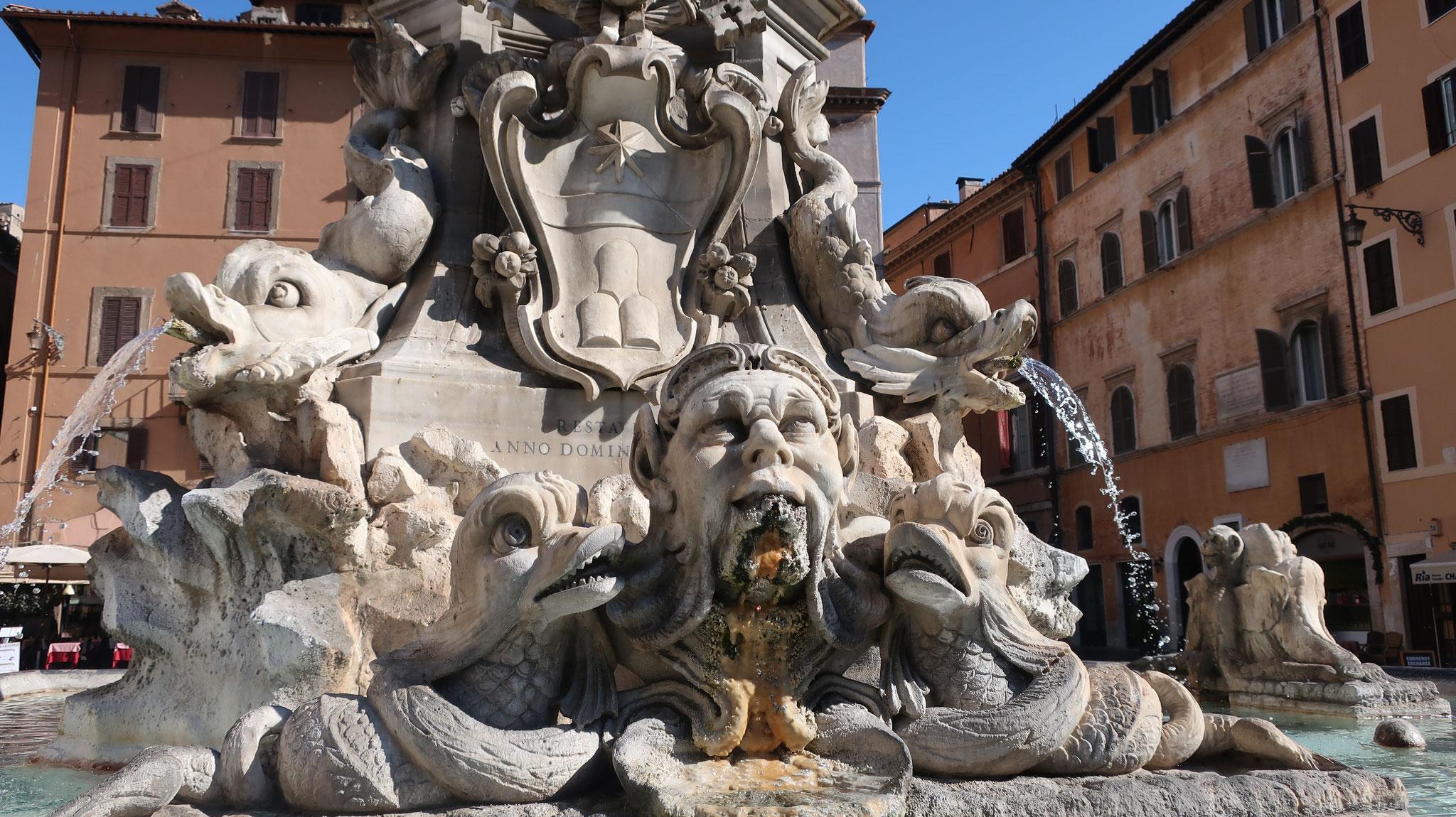 ジャコモ・デッラ・ボルタ作の噴水