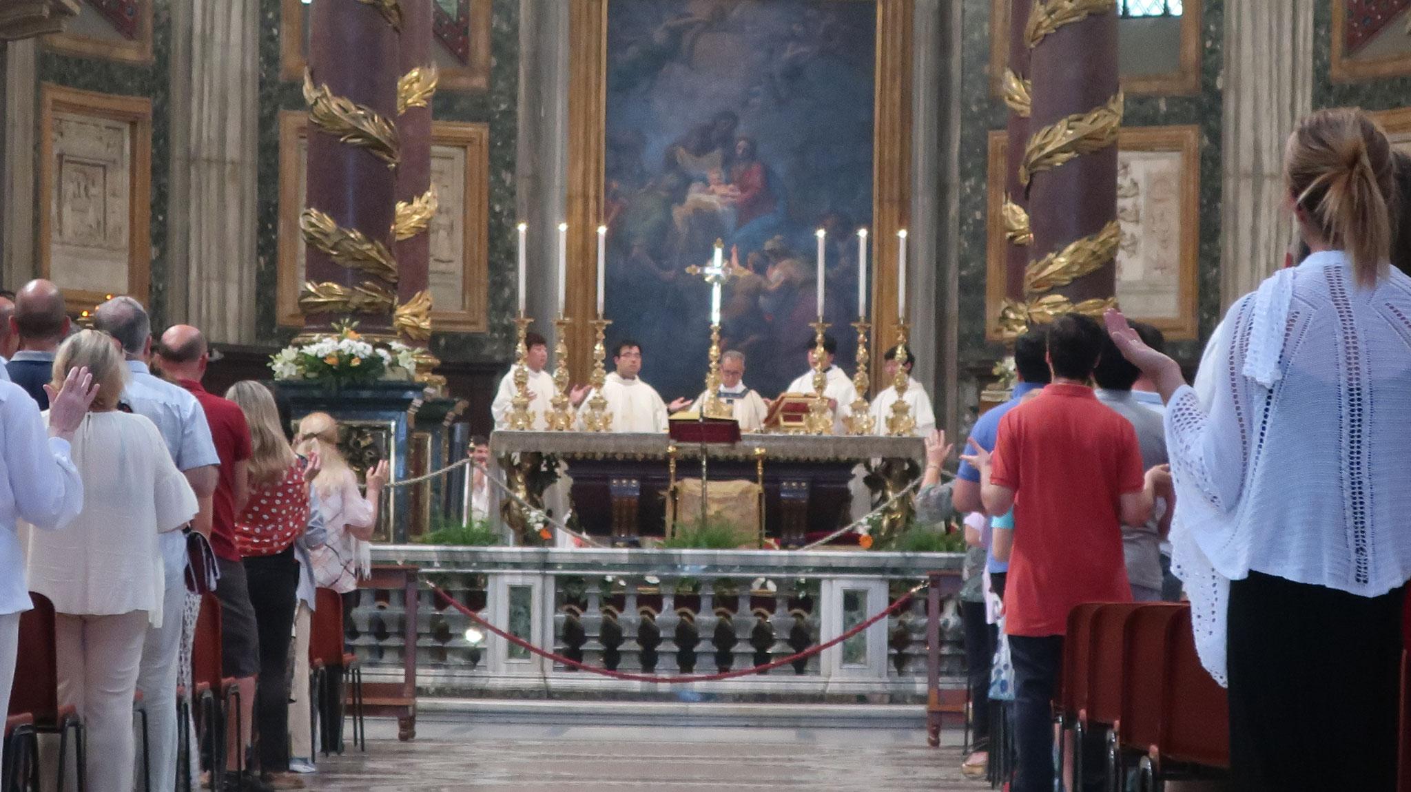 ちょうど、聖母の被昇天(聖母マリアが亡くなって天国に召された)を祝うミサ(8月15日)の最中でした。