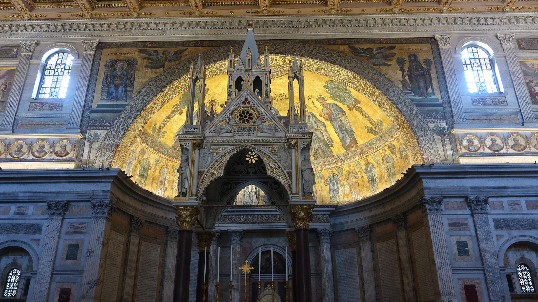 アルノルフォ・ディ・カンビオ制作の祭壇