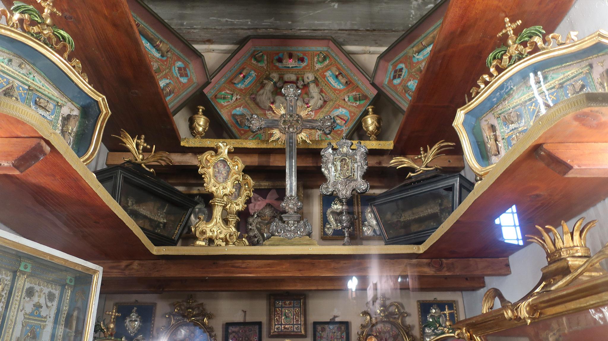 ローマ法王マルティーノ5世の記念品。