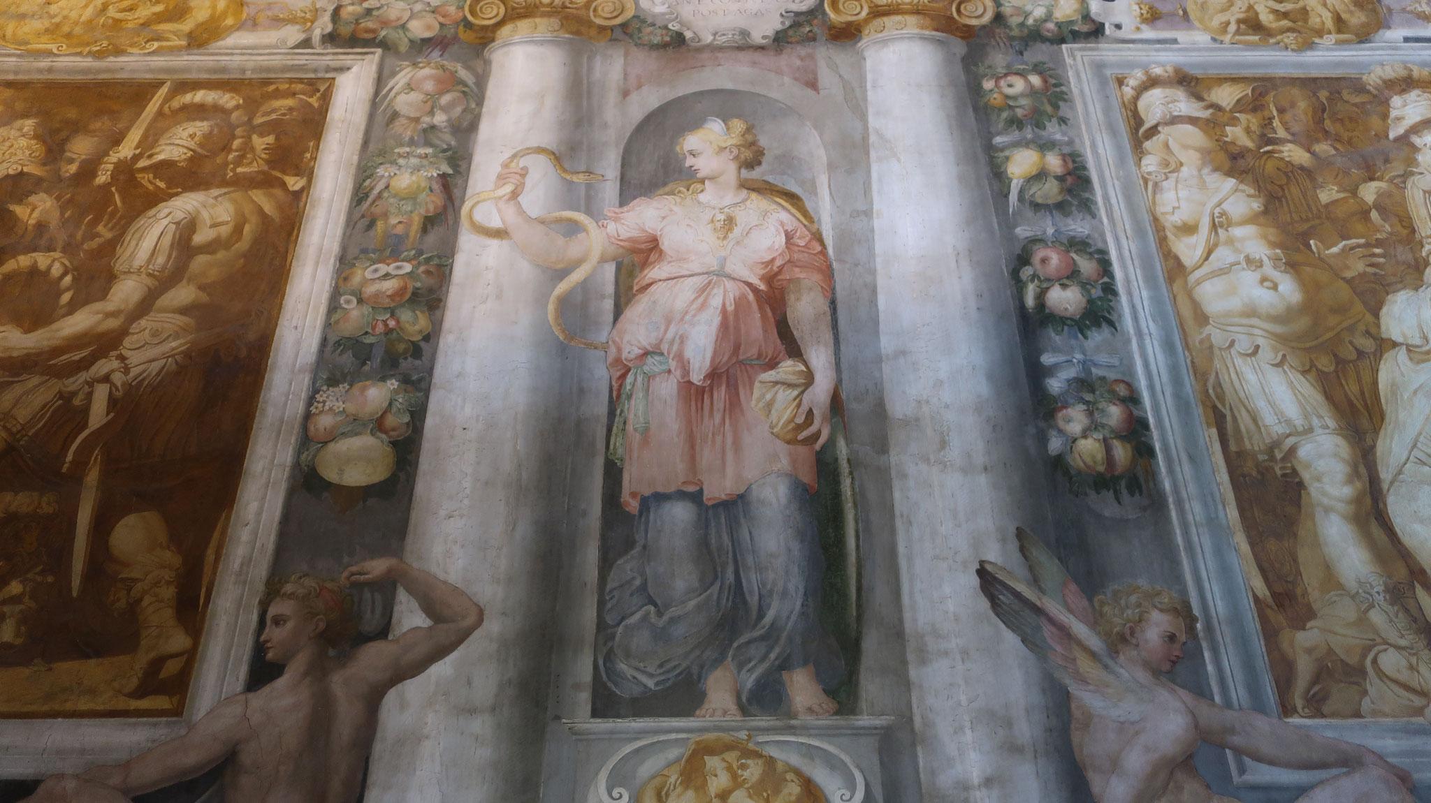 壁に描かれた衛生の女神ヒュゲイア