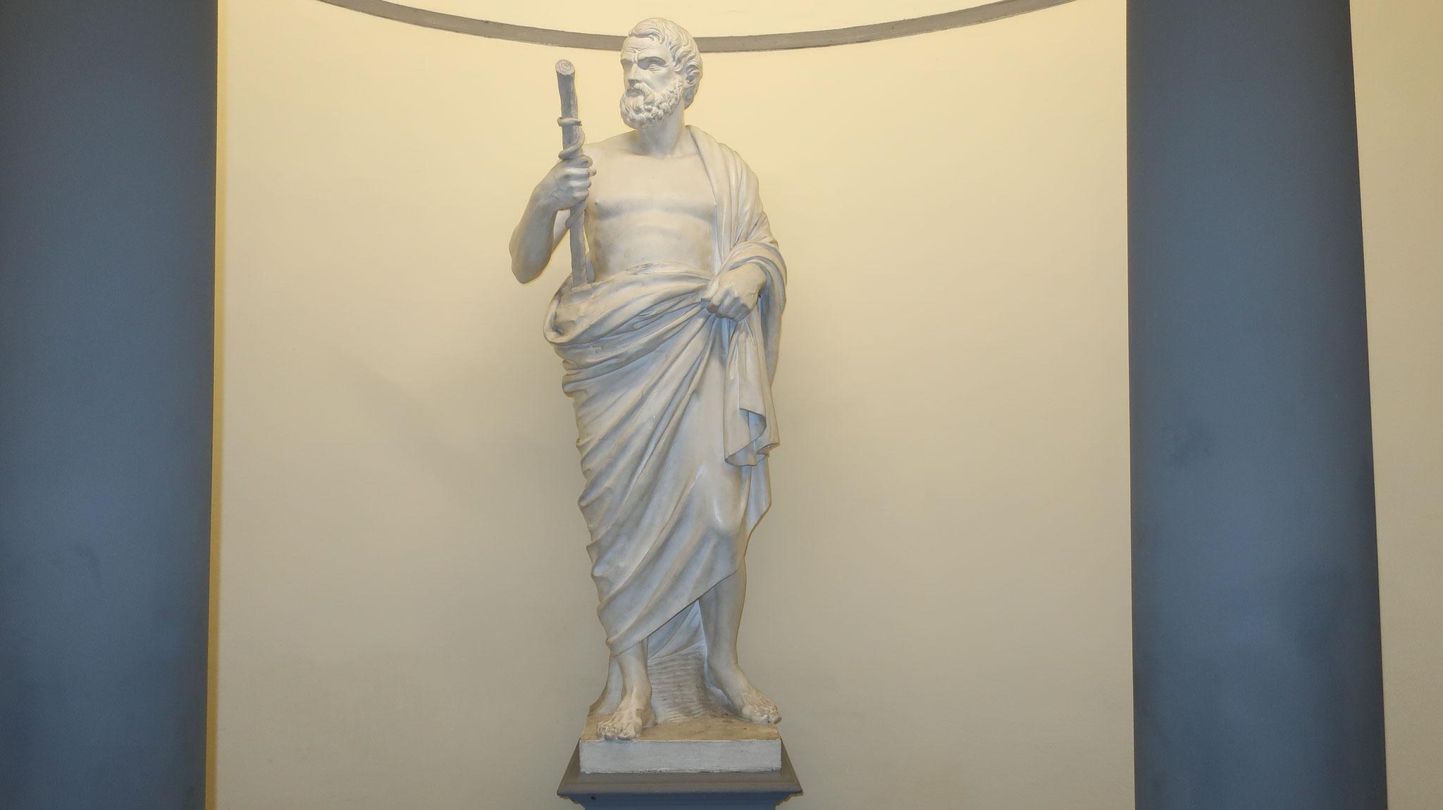 医神アスクレピオス彫像
