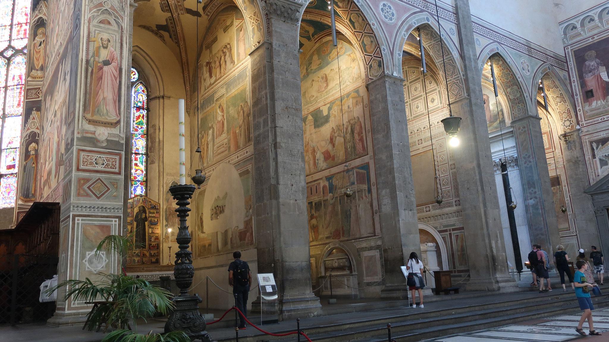 教会の側廊