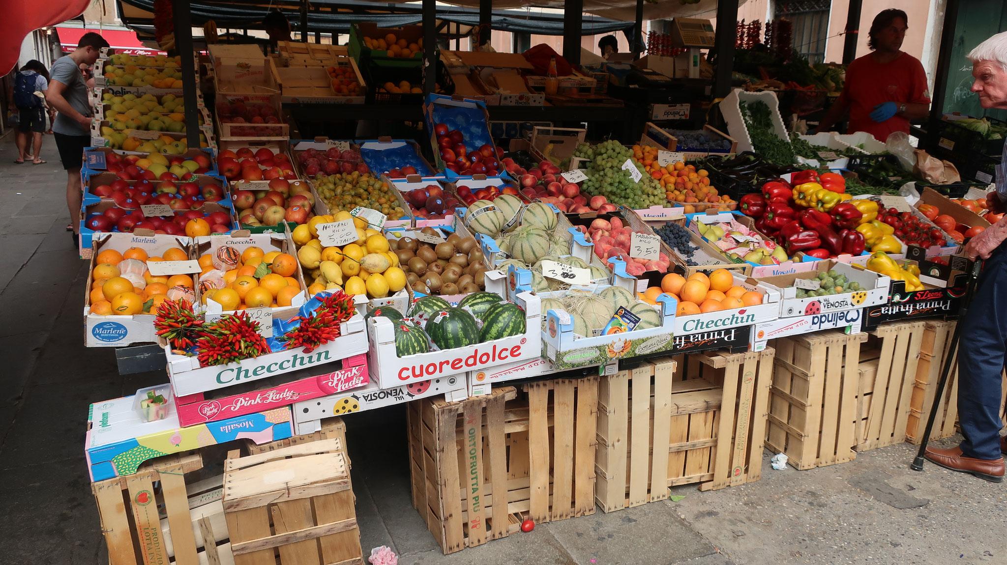 野菜・果物市場
