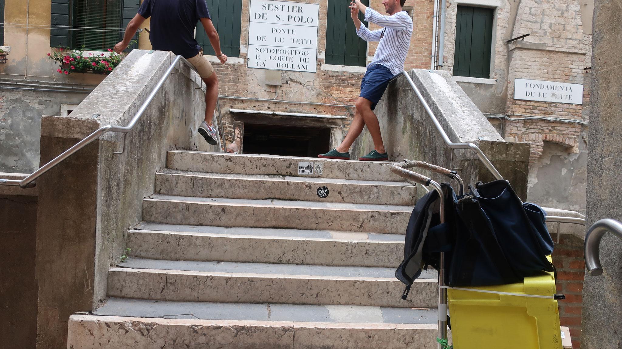 ヴェネツィアが海洋国家として繁栄していた頃、この辺りには、売春宿が並んでいました。