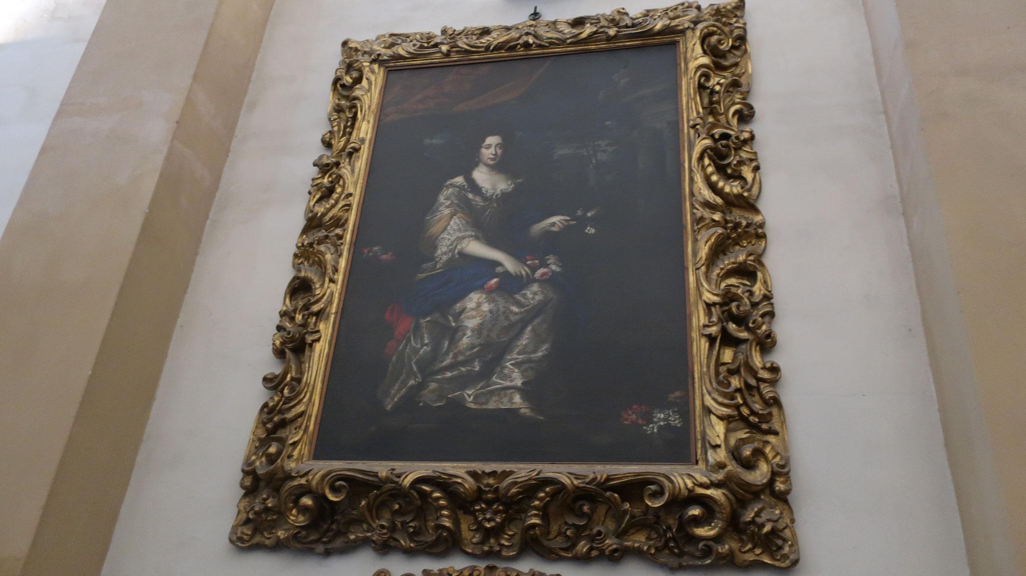 メディチ家最後のアンナ・マリア・ルイーザ・ルドヴィカ。亡くなる前に、「メディチ家が収集した美術品をフィレンツェから持ち出さない」という条件付きで、ウッフィツィをトスカーナ公国に譲りました。