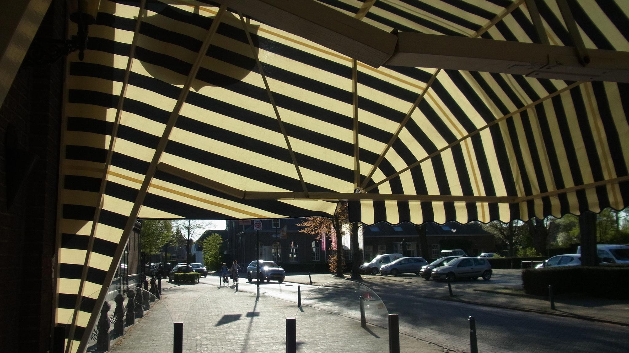 Café zaal Bij van Dijk Nieuw luifeldoek