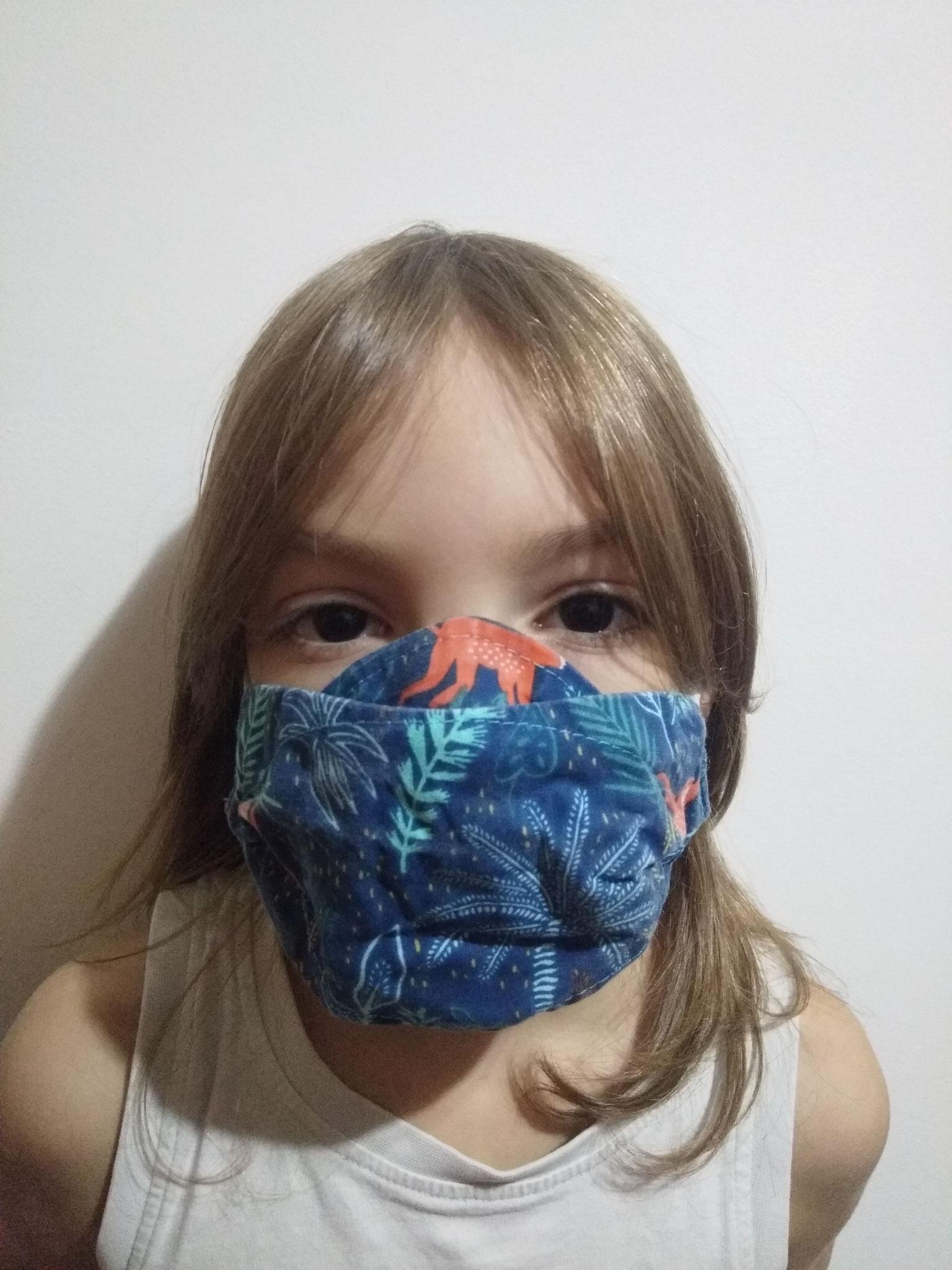 Masque AMÉLIORÉ  ENFANT sur enfant de 7 ans