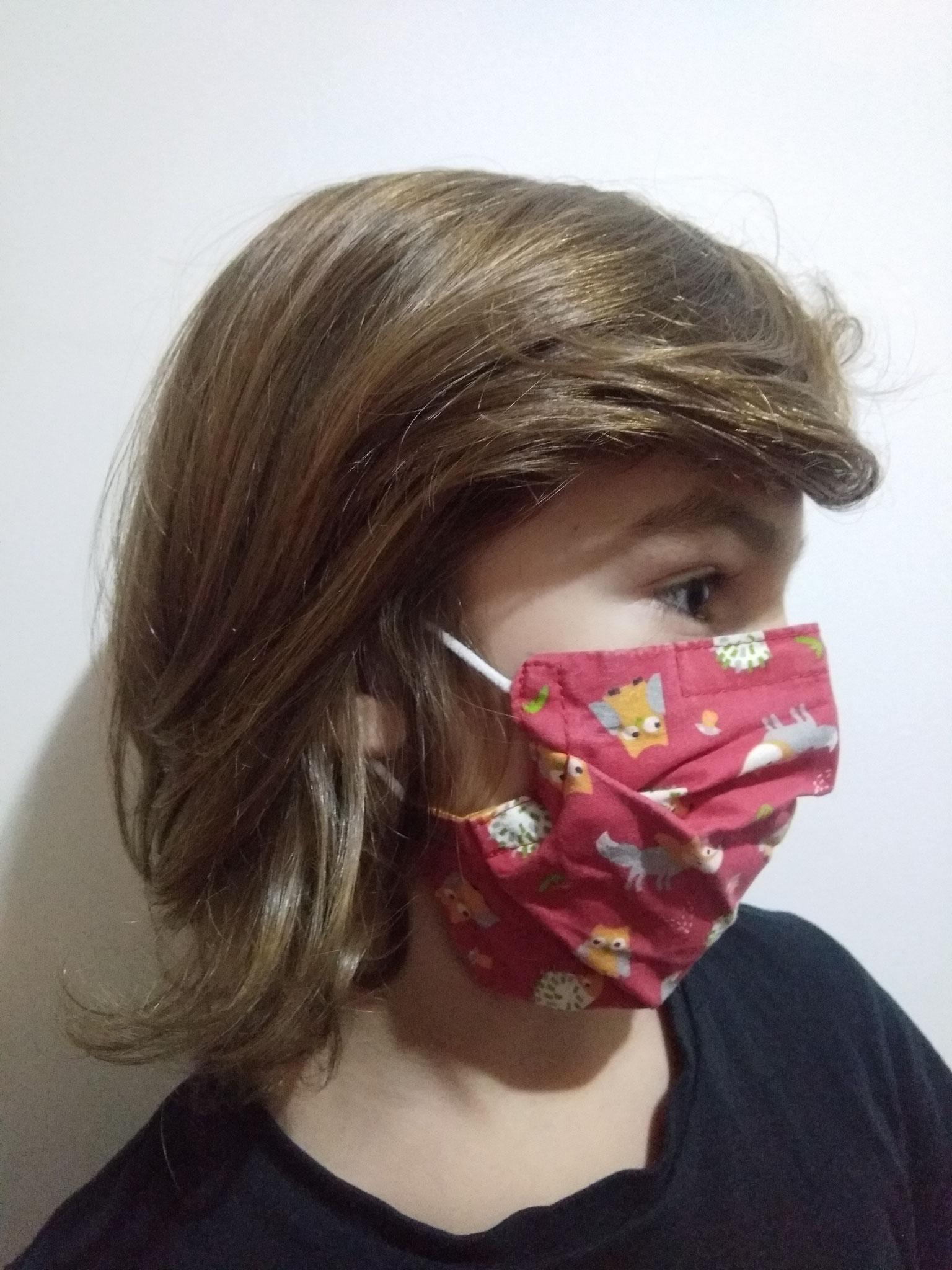 Masque STANDARD ADULTE sur enfant de 8 ans