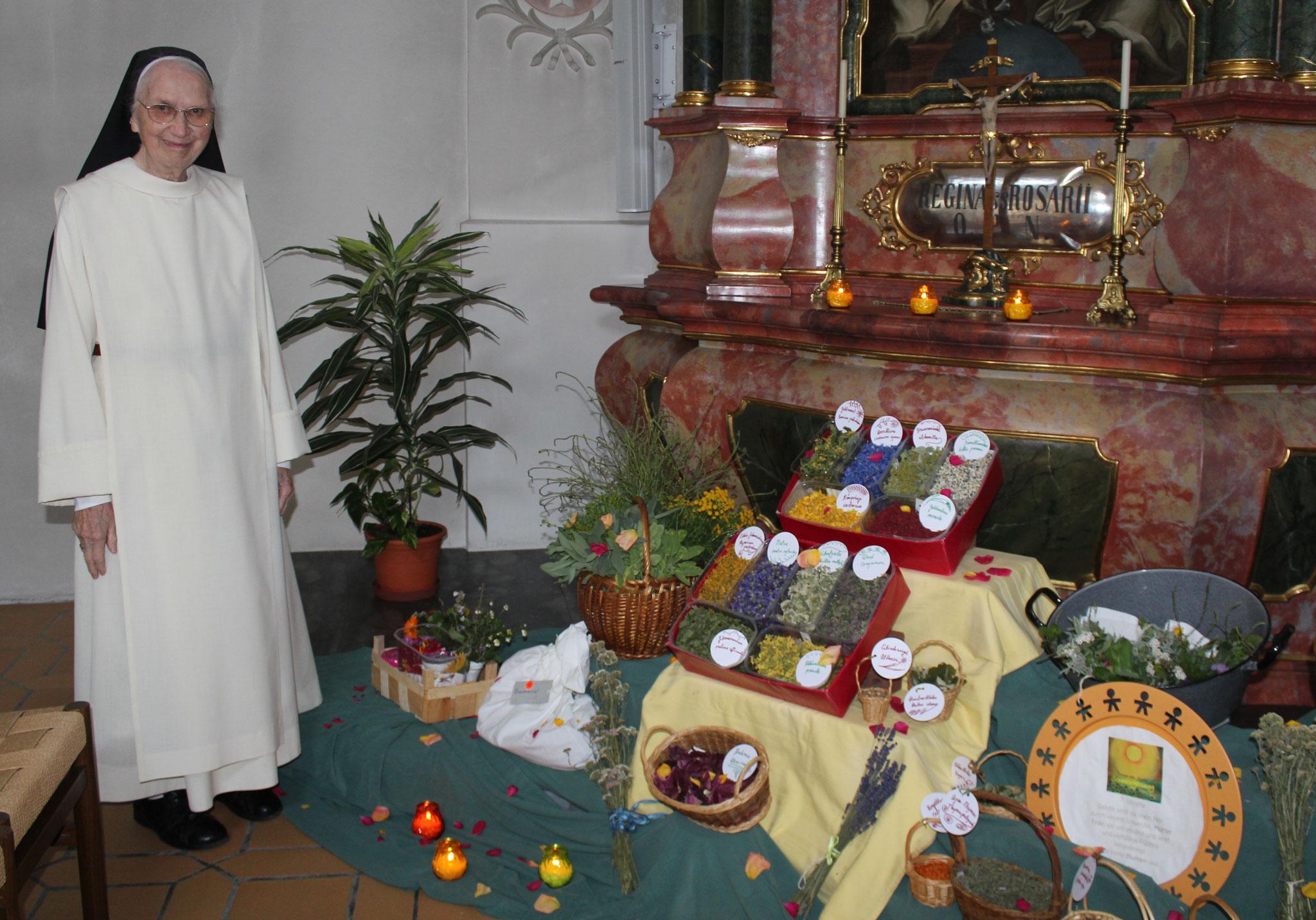 Kräuterschmuck in der Klosterkirche