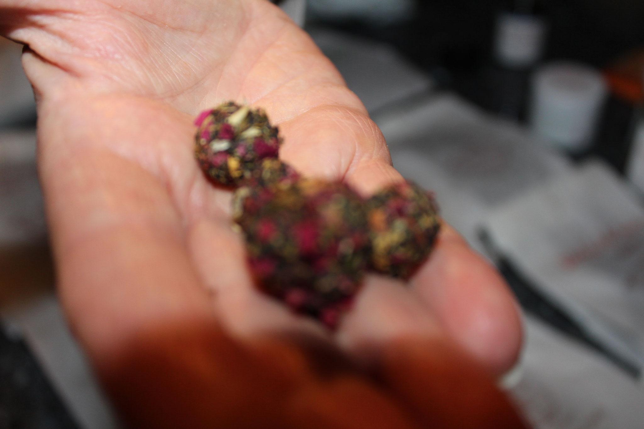 Räucherkugeln selbst hergestellt