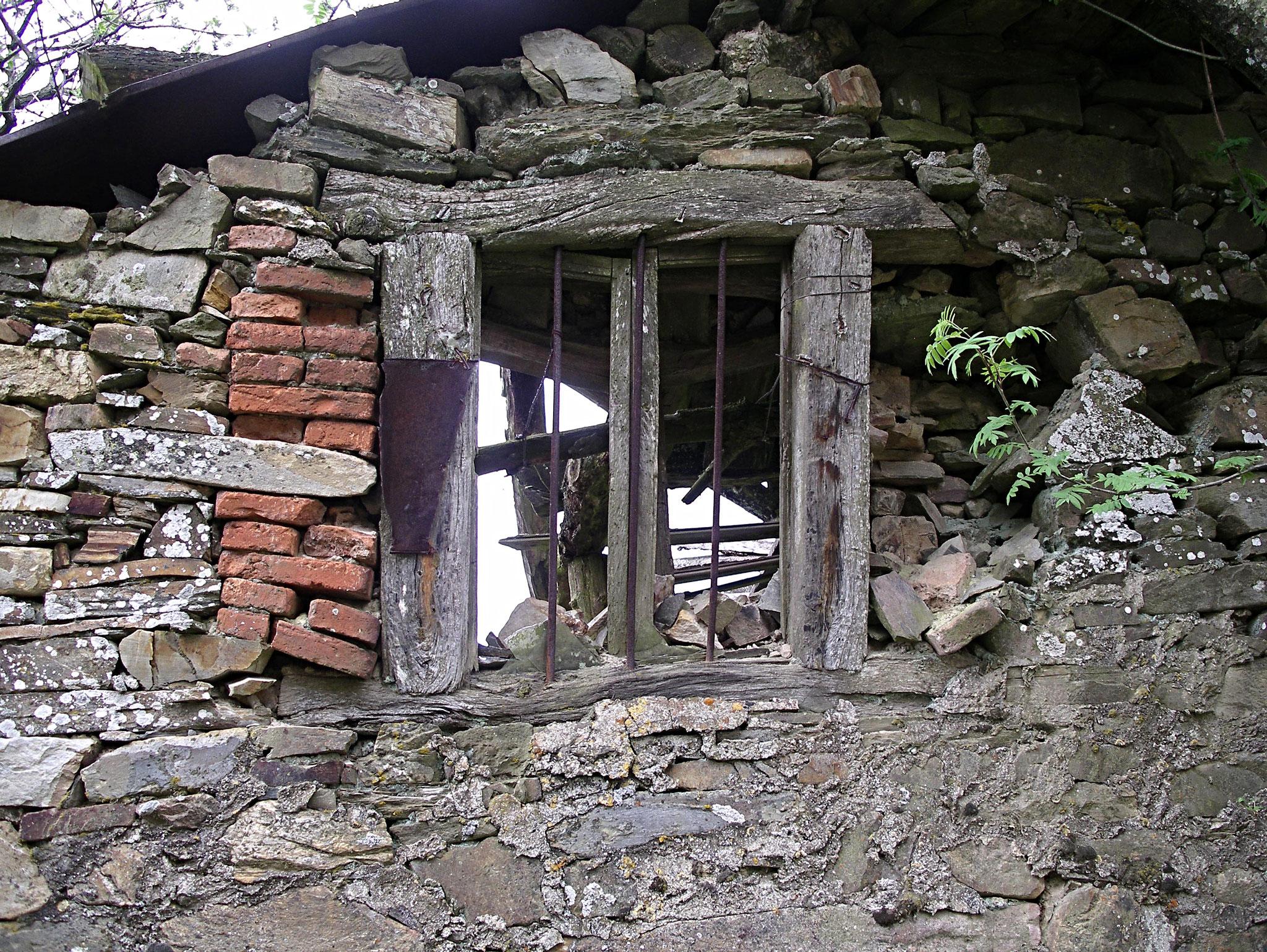 Foncebadon, das aufgegebene Dorf in den Bergen