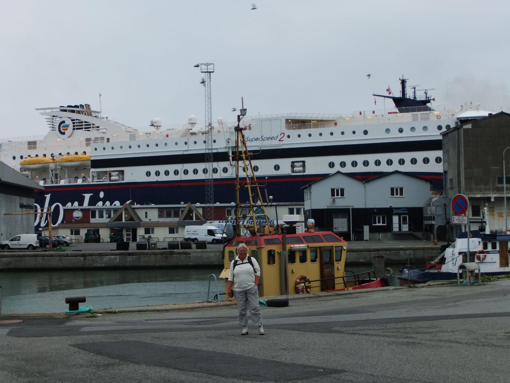 im Fährhafen von Hirtshals