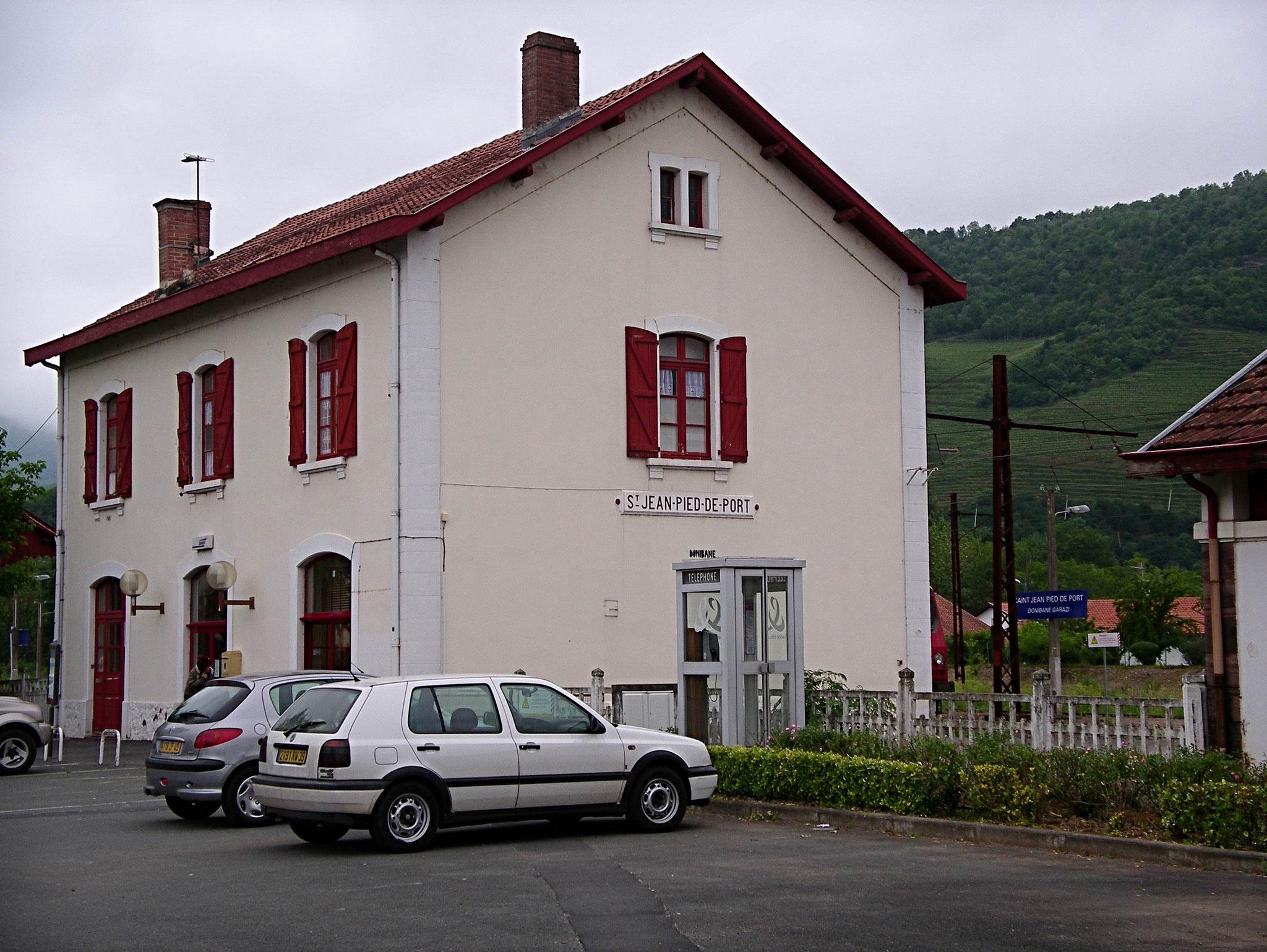 In den französichen Pyrenäen, der Bahnhof von St.-Jean-Pied-de-Port