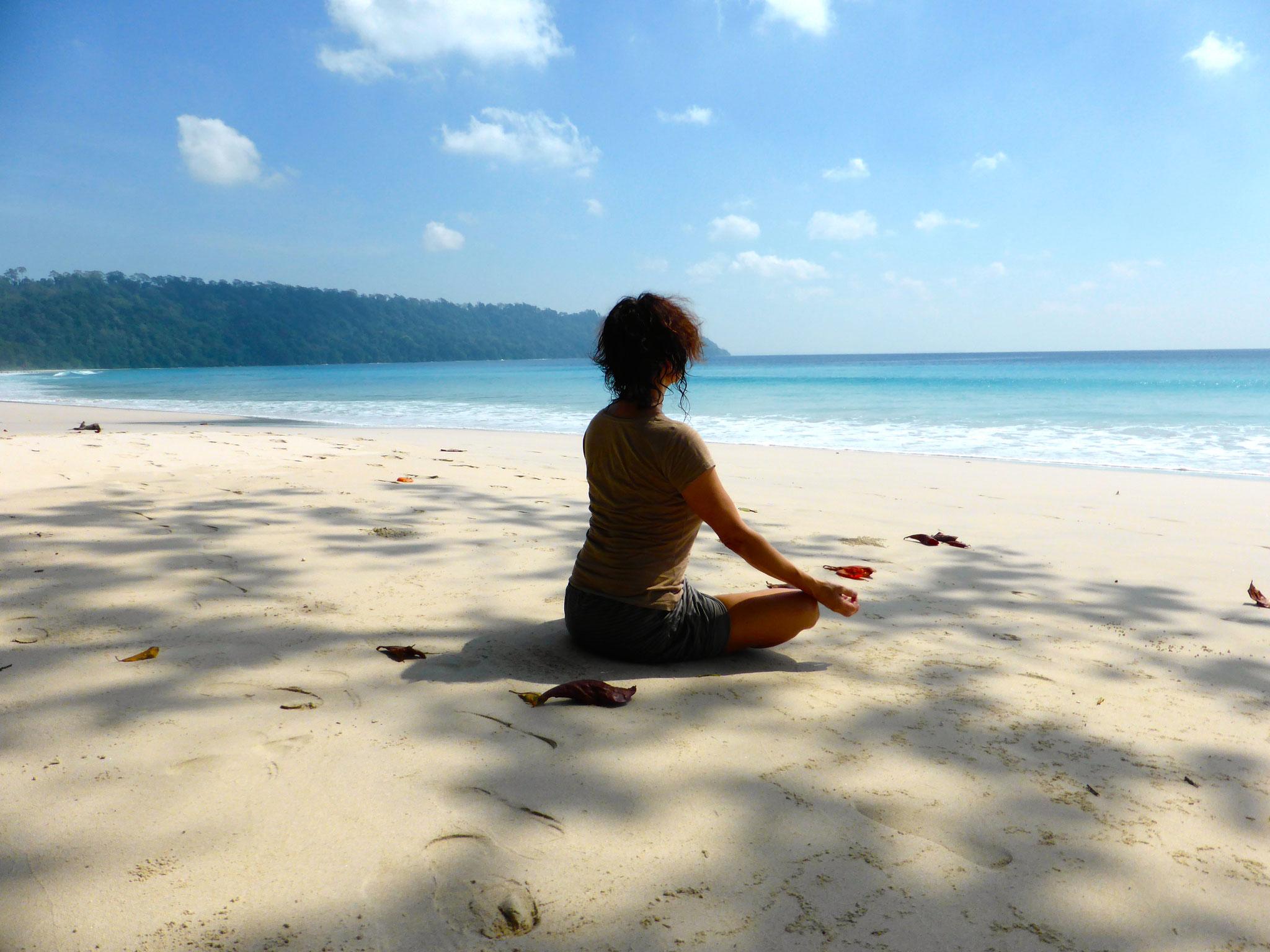 Es ist nicht von Bedeutung ob wir gläubig sind. Wichtig ist nur, dass wir ein gutes Herz haben..... Dalai Lama