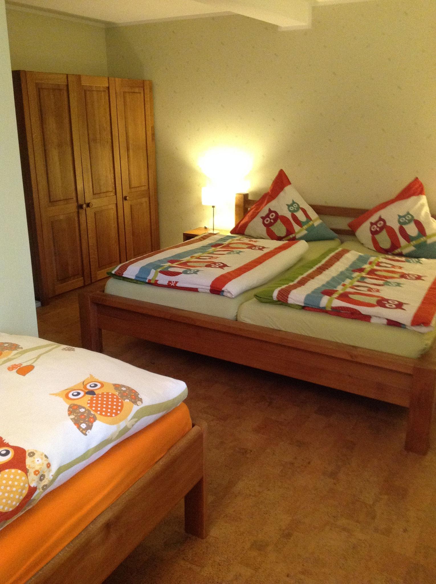 Schlafzimmer 3 -4 Betten