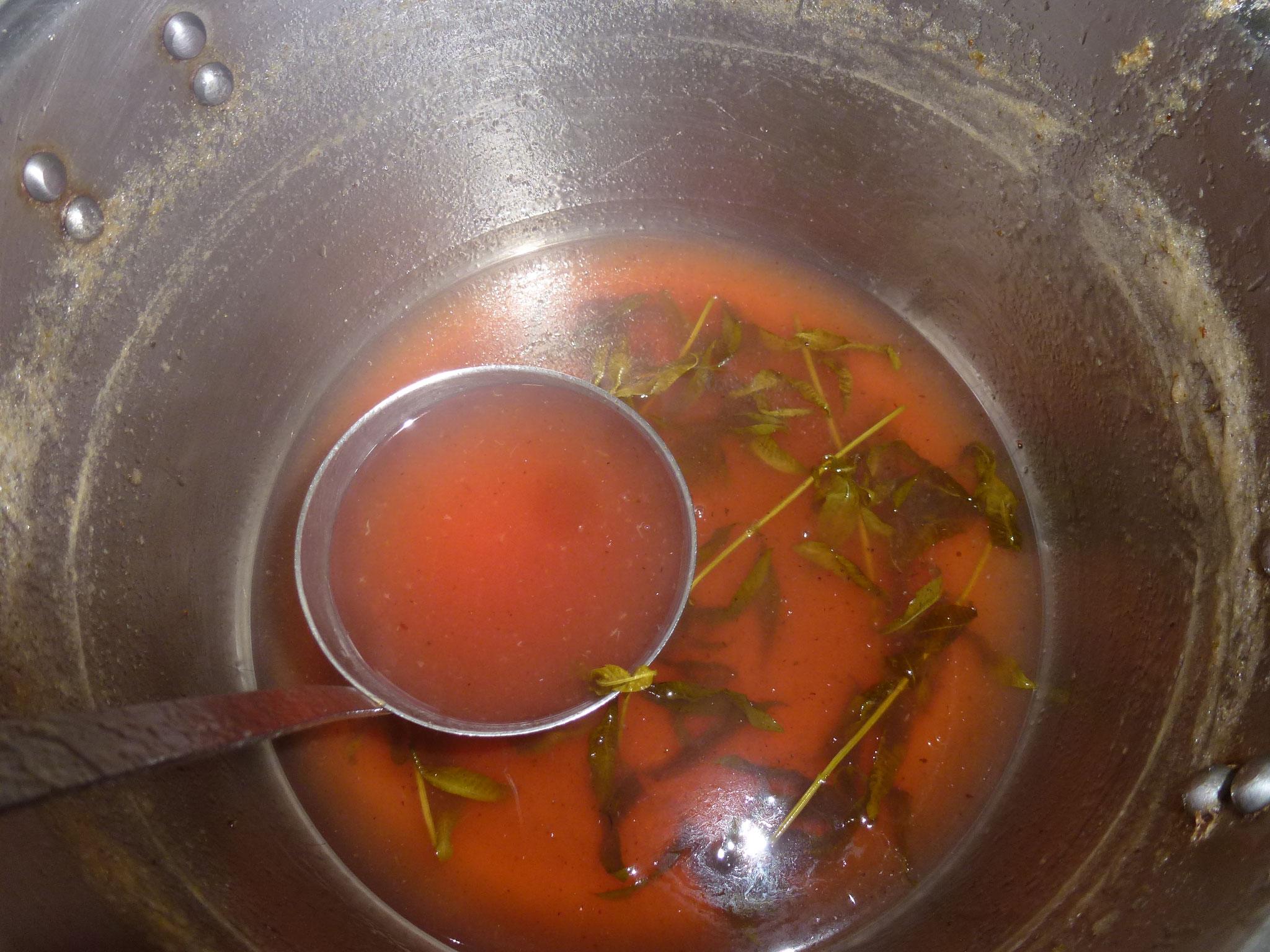 Cuisine ou crusine avec les plantes potagères, aromatiques ou sauvages