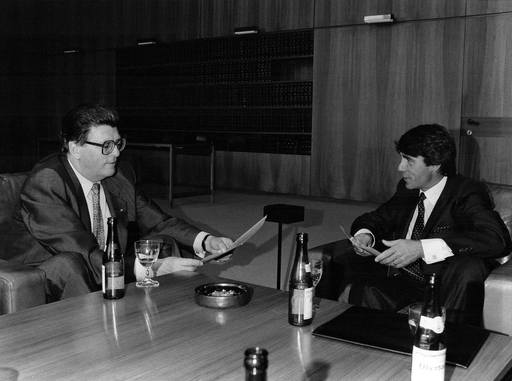 Roland Specker zu Besuch bei Bundestagspräsident Philipp Jenninger, 12. Juni 1987 // Foto: Inge Kundel-Saro
