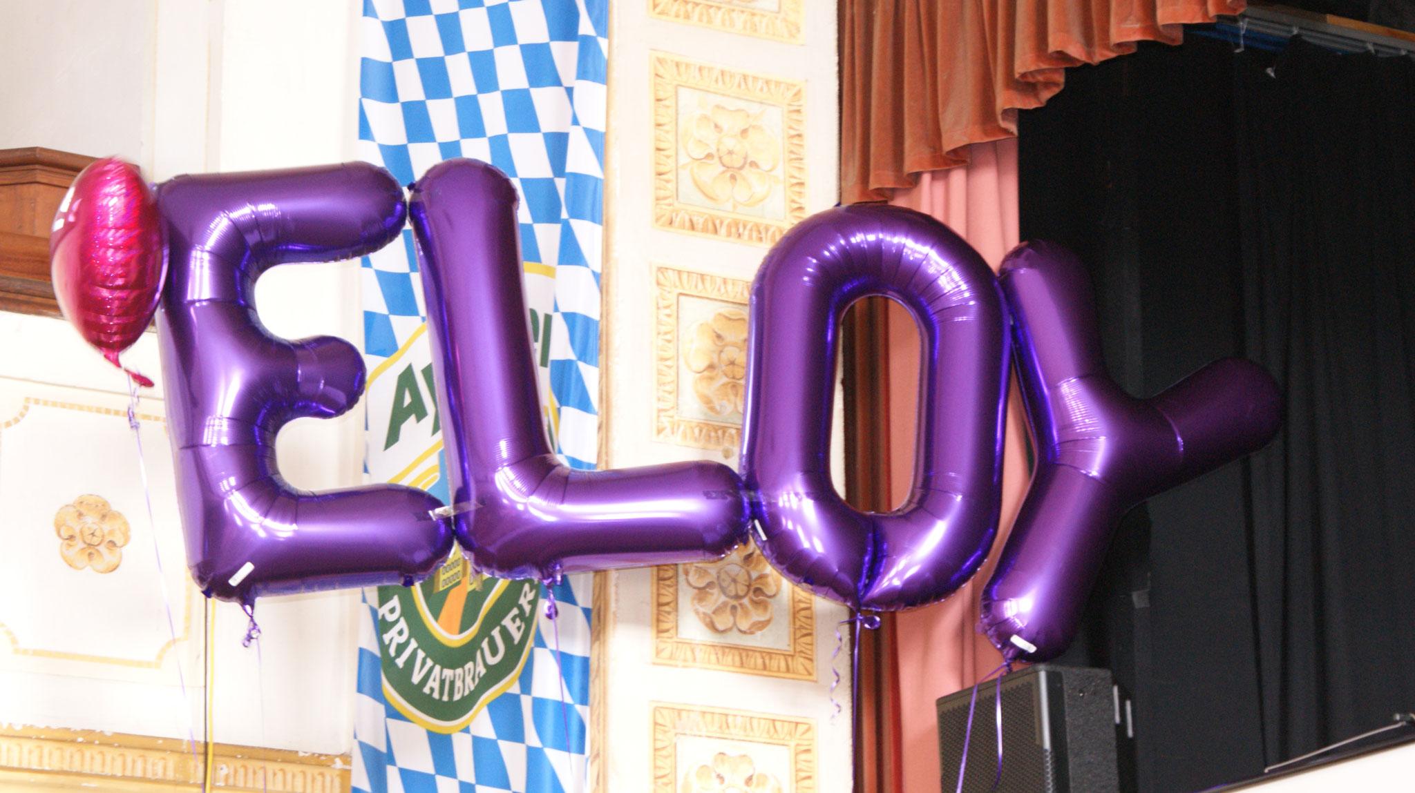 Bunte Luftballons in Form vom Namen ELOY