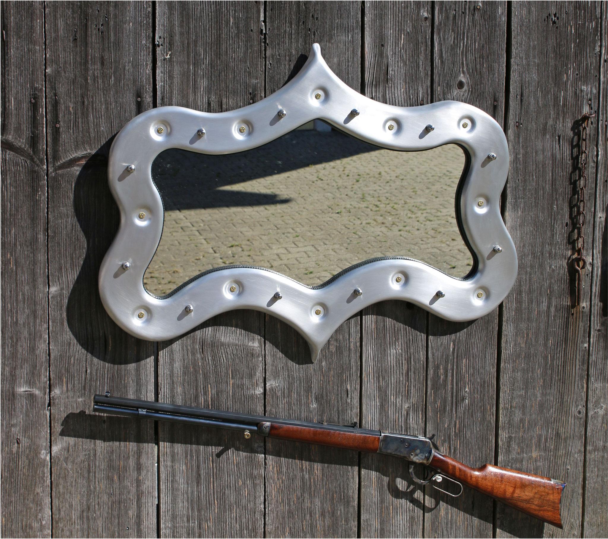 Aluminium Spiegel mit 357er Magnum Geschosse