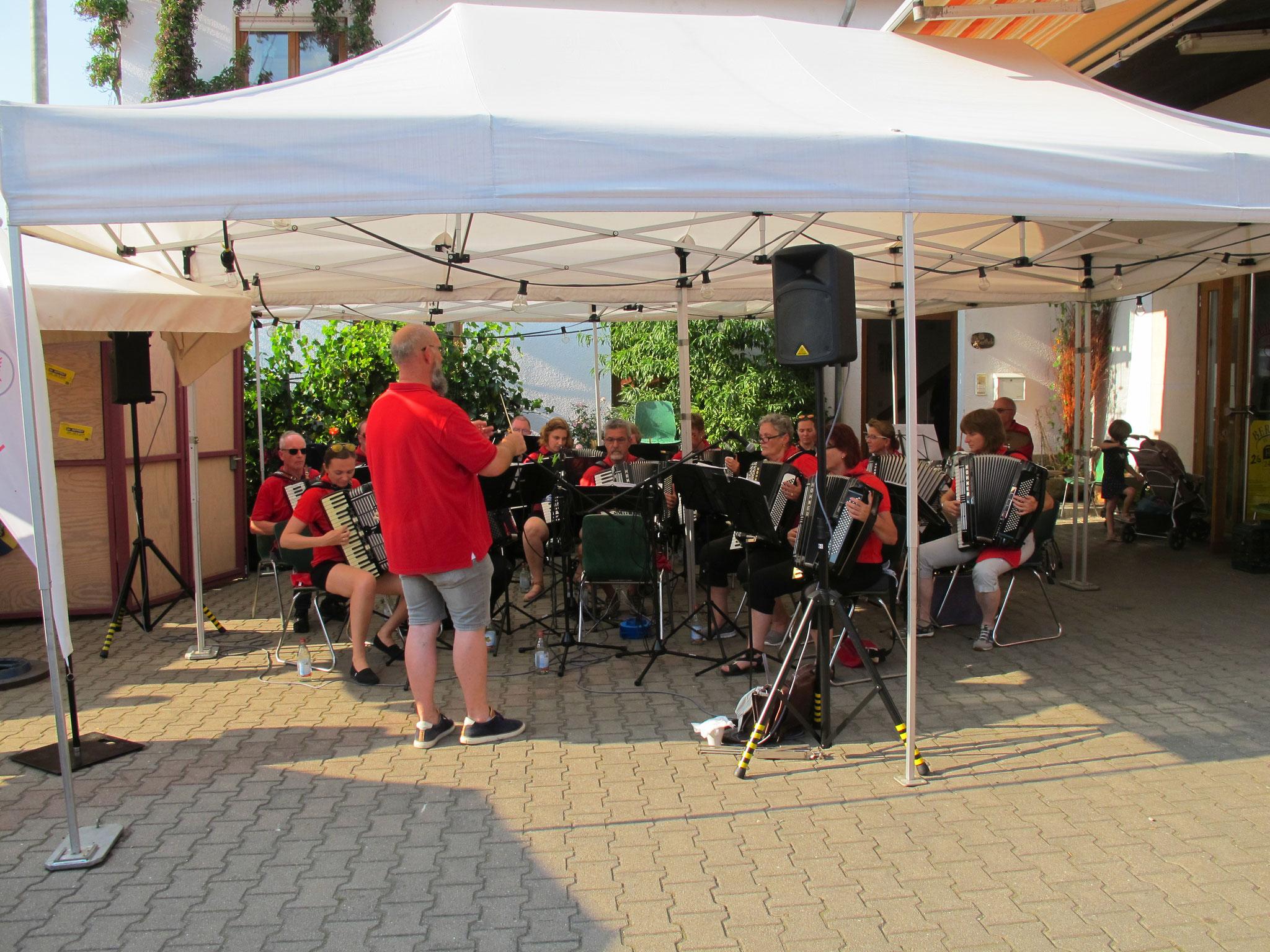 Auftritt beim Hof- und Weinfest Berthold