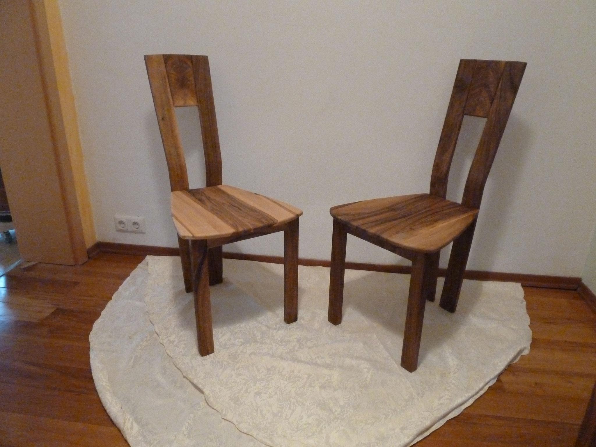 Stühle aus Walnuss
