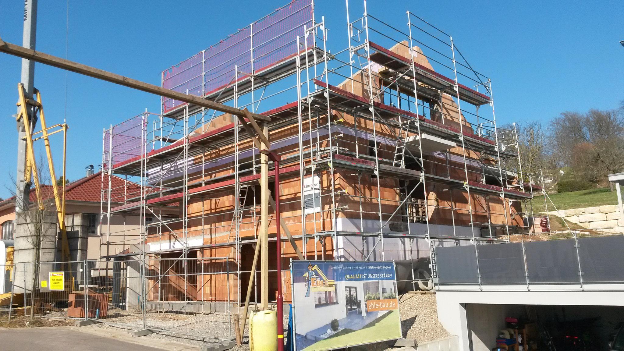 Gengenbach - Schutzgerüst an Neubau