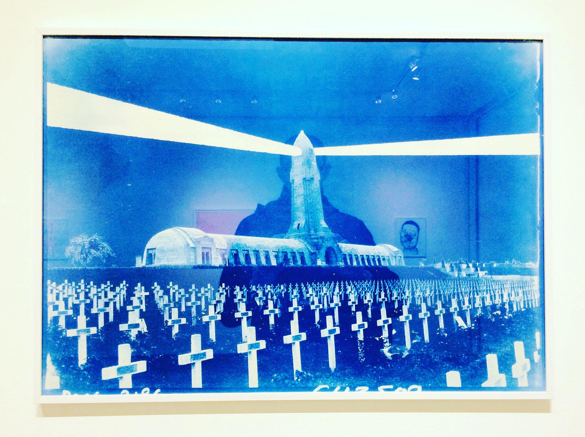 La Veille, 2017. Cyanotype, 50 x 70 cm. Photo : Loïc Creff