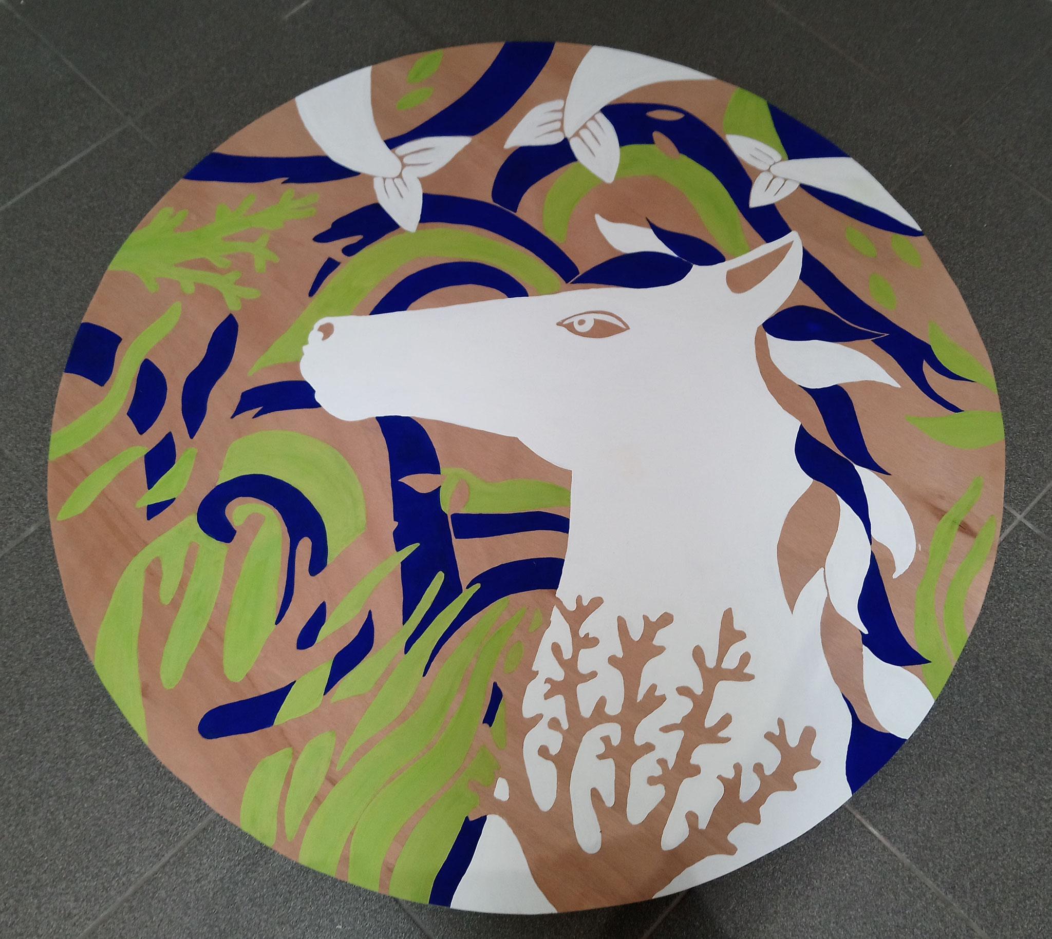Baignade Interdite : le cheval Mallet, peinture naturelle sur bois, 111 cm de diamètre