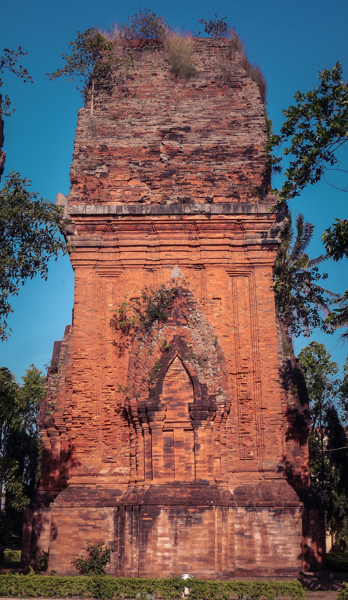 Qui Nhon - Thap Doi (Twin Towers)