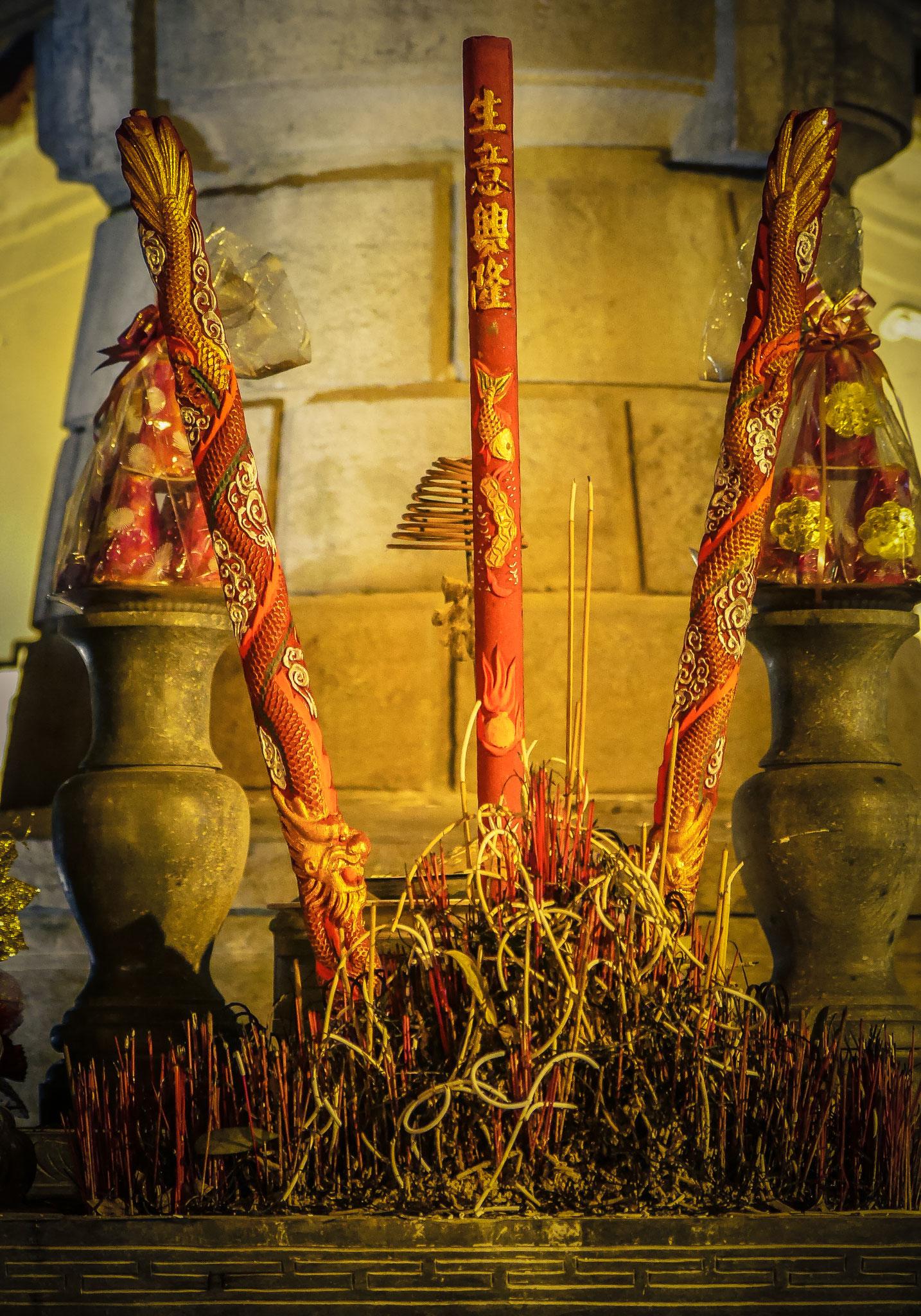 Hanoi - Statue of King Le Thai To