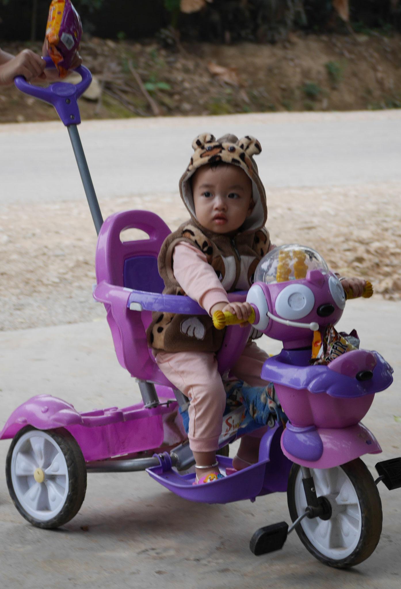 Radtour durch die Reisfelder Mai Chau - Rast an einer Verkaufsstelle