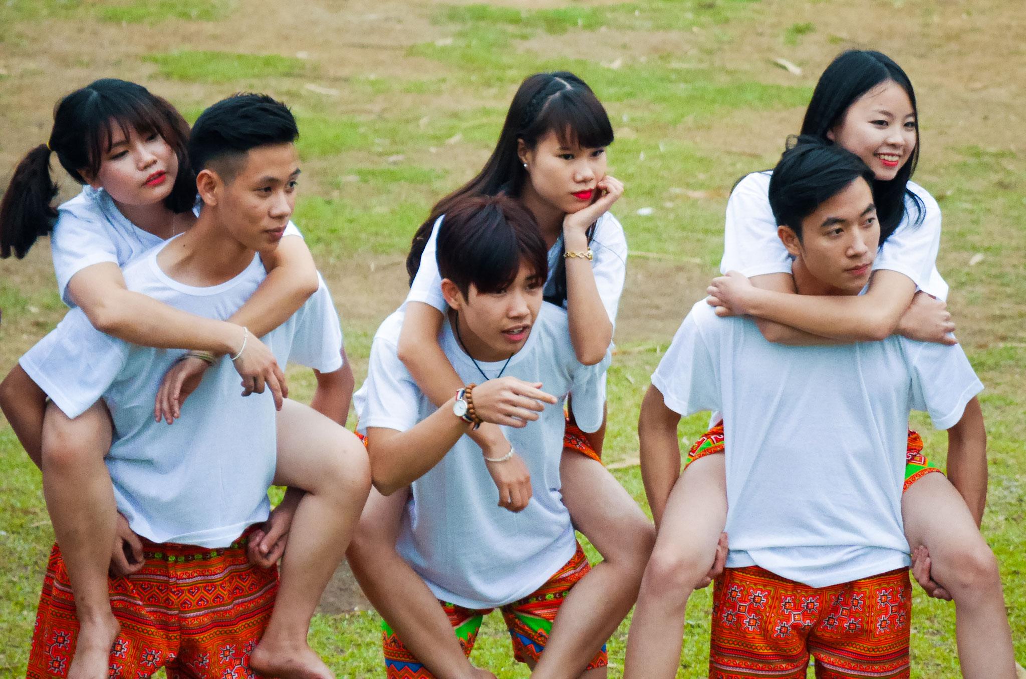 Mai Chau - Fotoshooting einer Klasse
