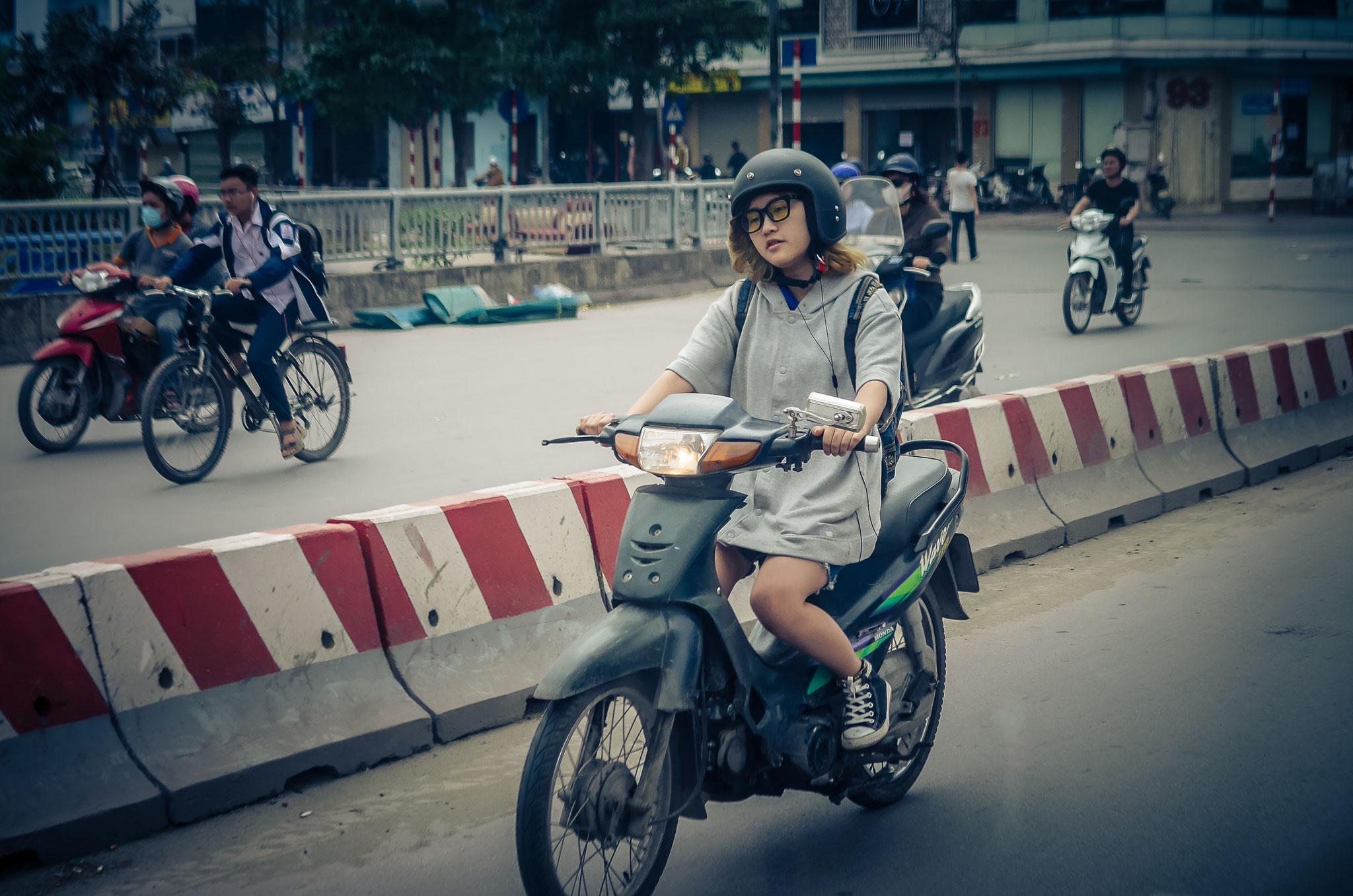 Rückweg von Mai Chau nach Hanoi - diese Mopedfahrer :)