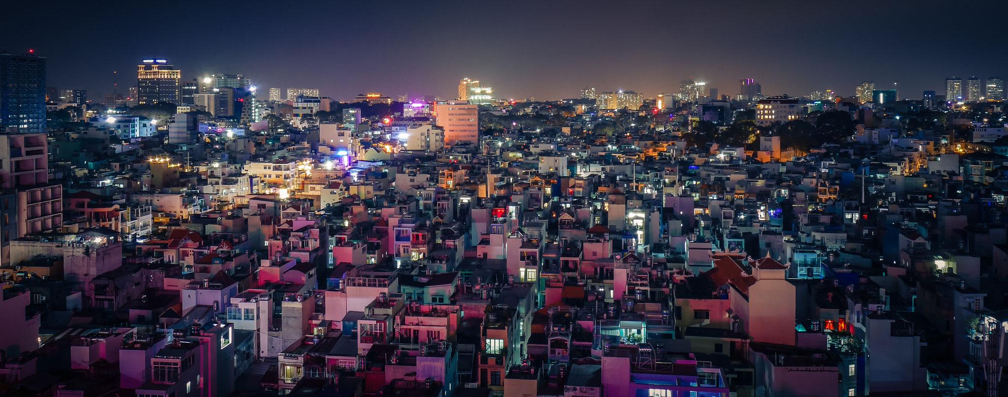 Ho-Chi-Minh-Stadt (Saigon) - von unserem Hotel (Le Duy Grand Hotel) aus fotografiert