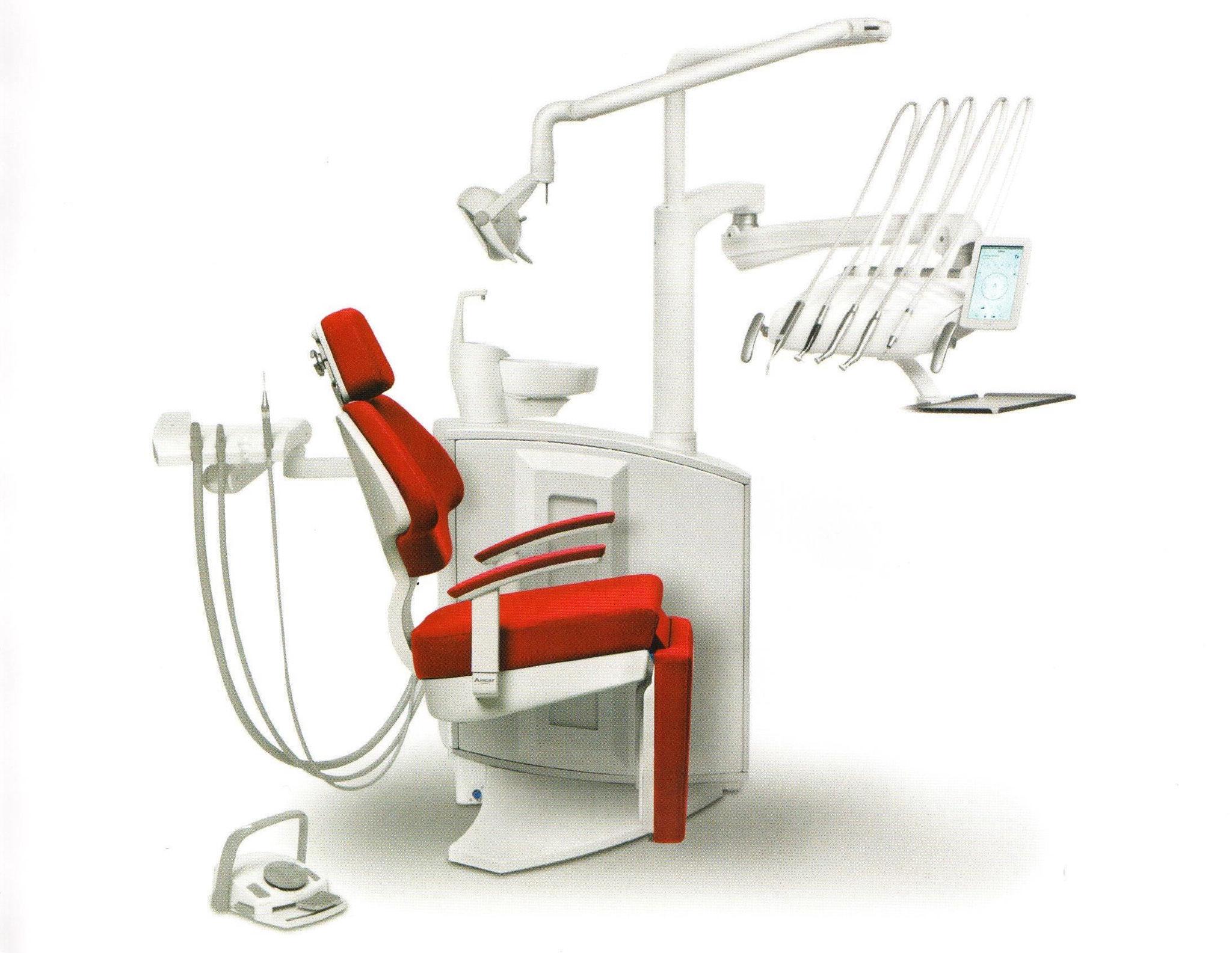 S5 W - elektronische Behandlungseinheit mit Schwingbügeln (Stuhl mit Fußteil um 90° abklappbar)
