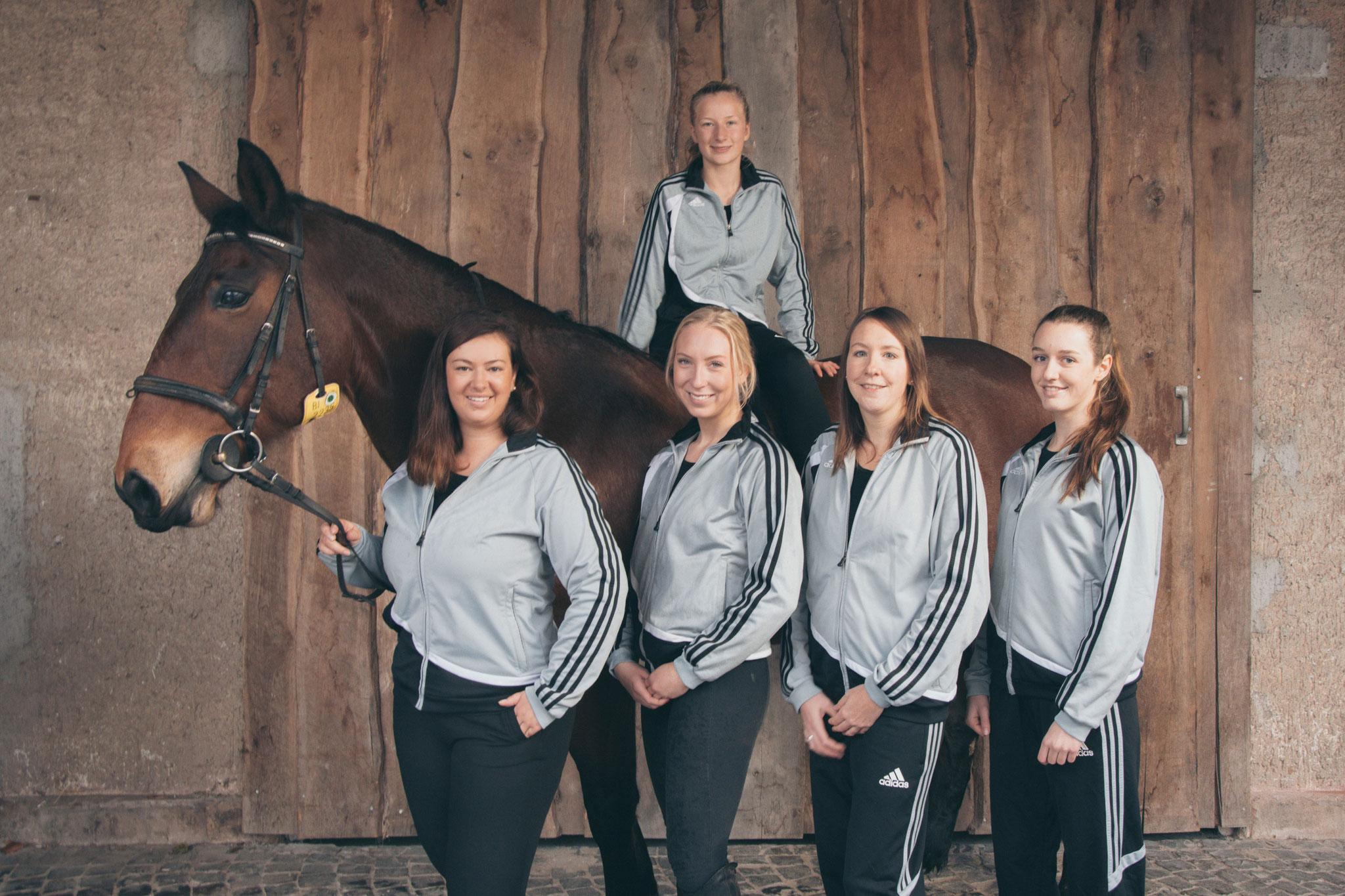 Leni K., Sophia, Michelle, Charlotte und Ronja | Es fehlen: Janna und Leni W.