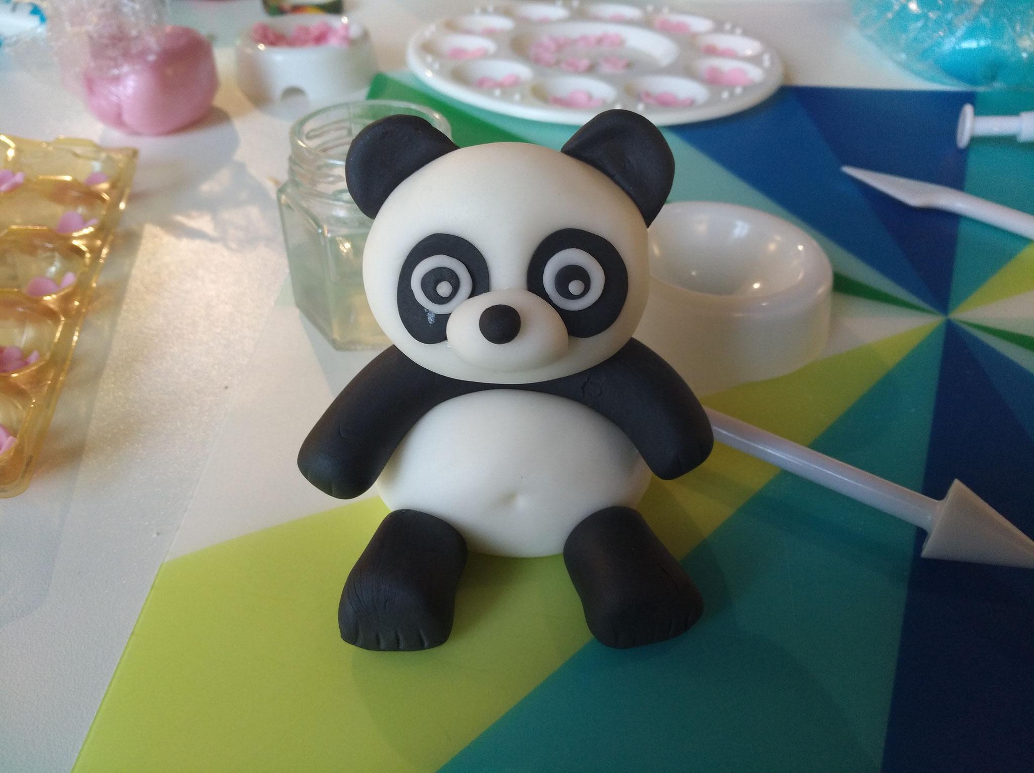 Wie zum Beispiel ich diesen süssen Panda (hier noch mit kleinem Schönheitsfehler).