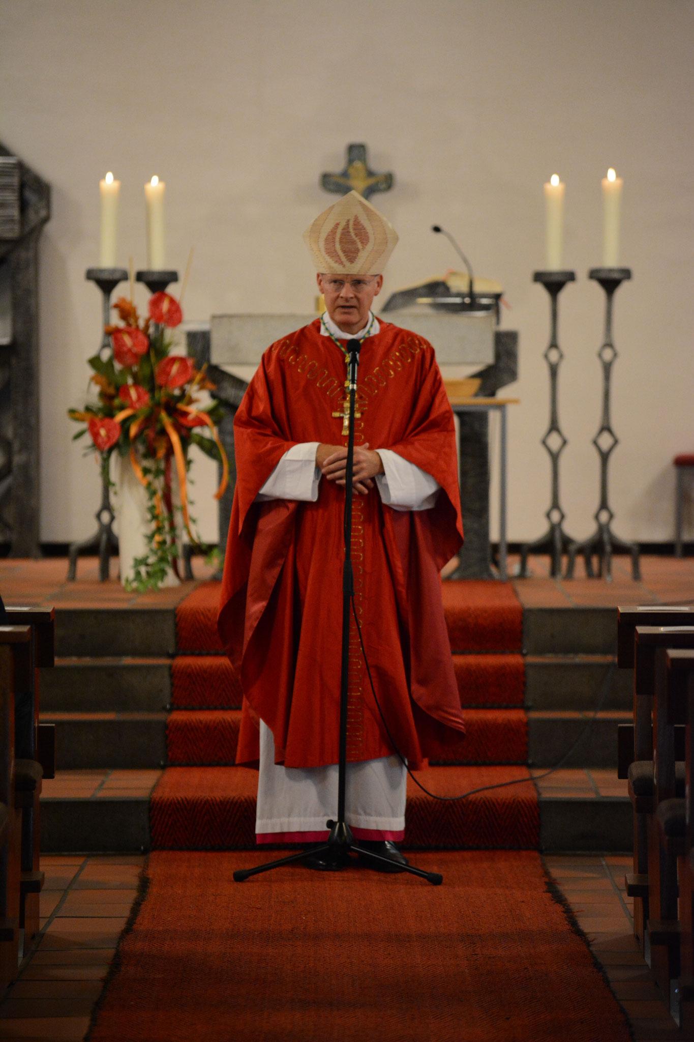 Bischof Overbeck in St. Augustinus & Monika