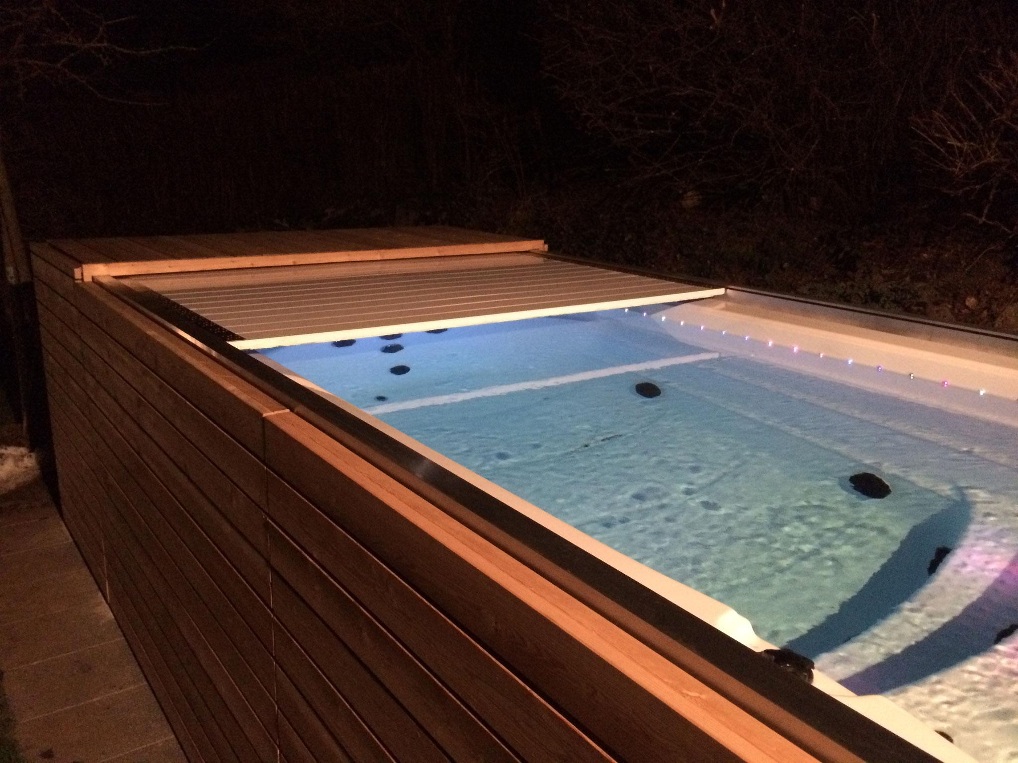 automatische Swim Spa Abdeckung zu freistehendem JNJ Spa