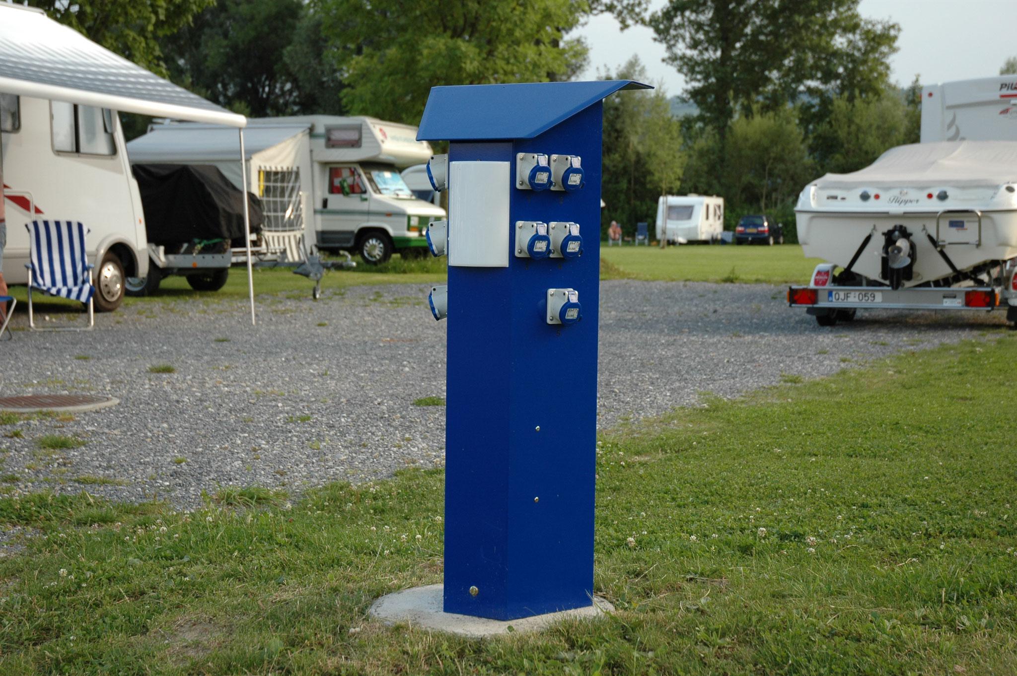 Typ Montana - Säule mit bis zu 10 CEE-Steckdosen, inliegend, abschliessbar