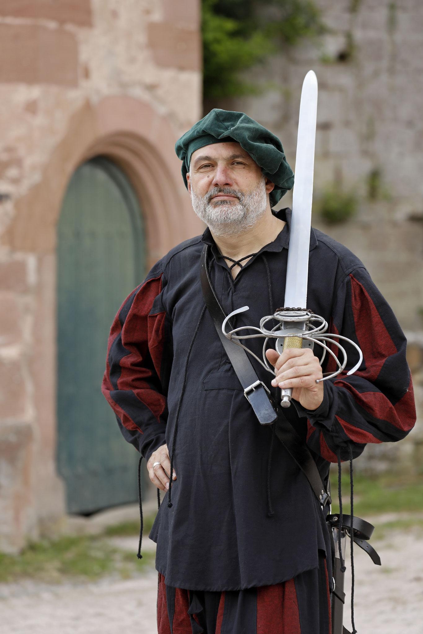... und Einweisung in mittelalterliche Belagerungs- und Waffenwesen ...