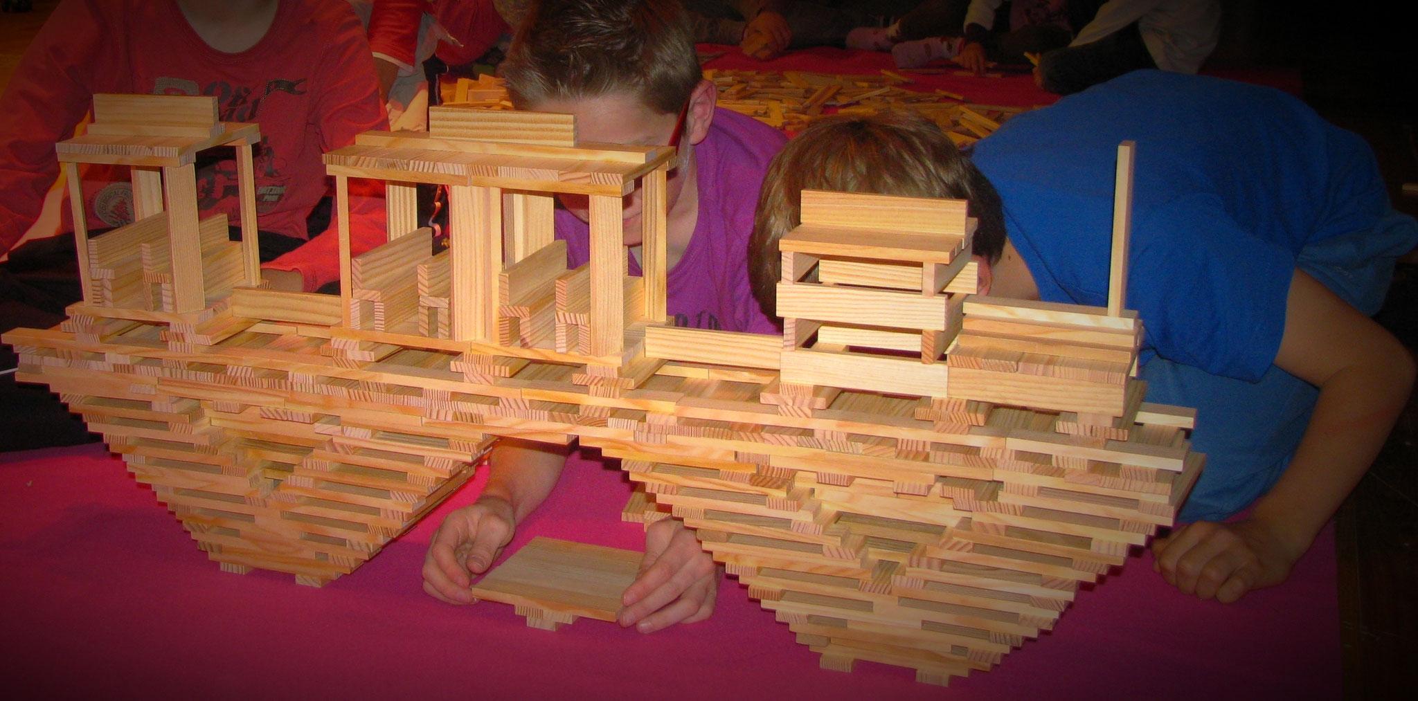 jeux d'assemblage - construction collective