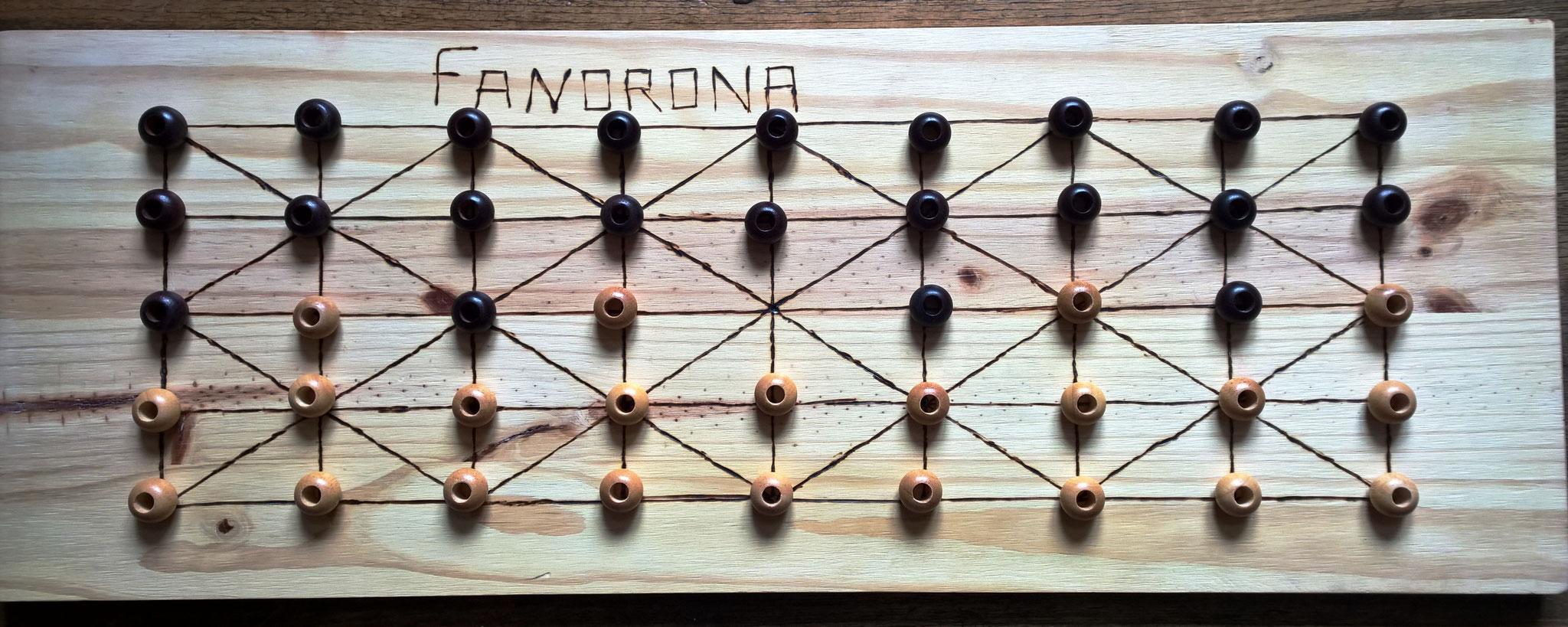 le Fanorona, de Madagascar, original dans la technique de prise des pions