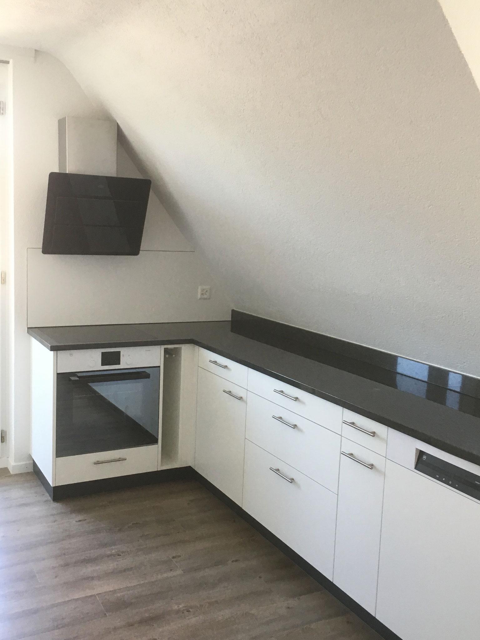 Küche in Dachstock