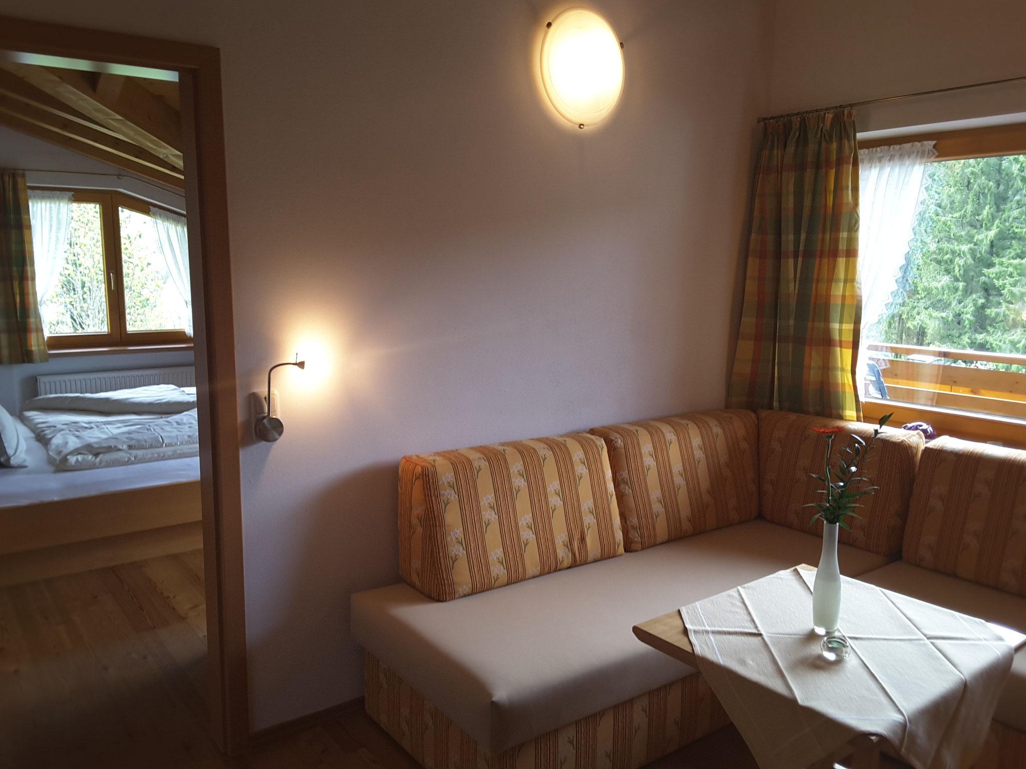 Wohnbereich - Ferienwohnung 6 - Hilbrand Appartements