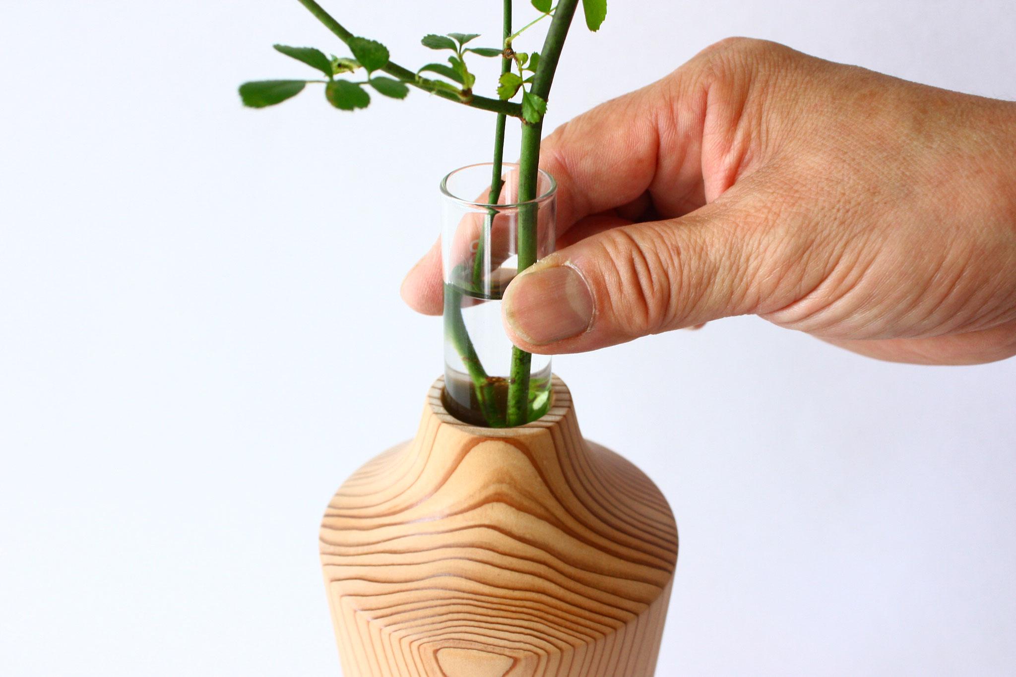 シダーベース 花瓶